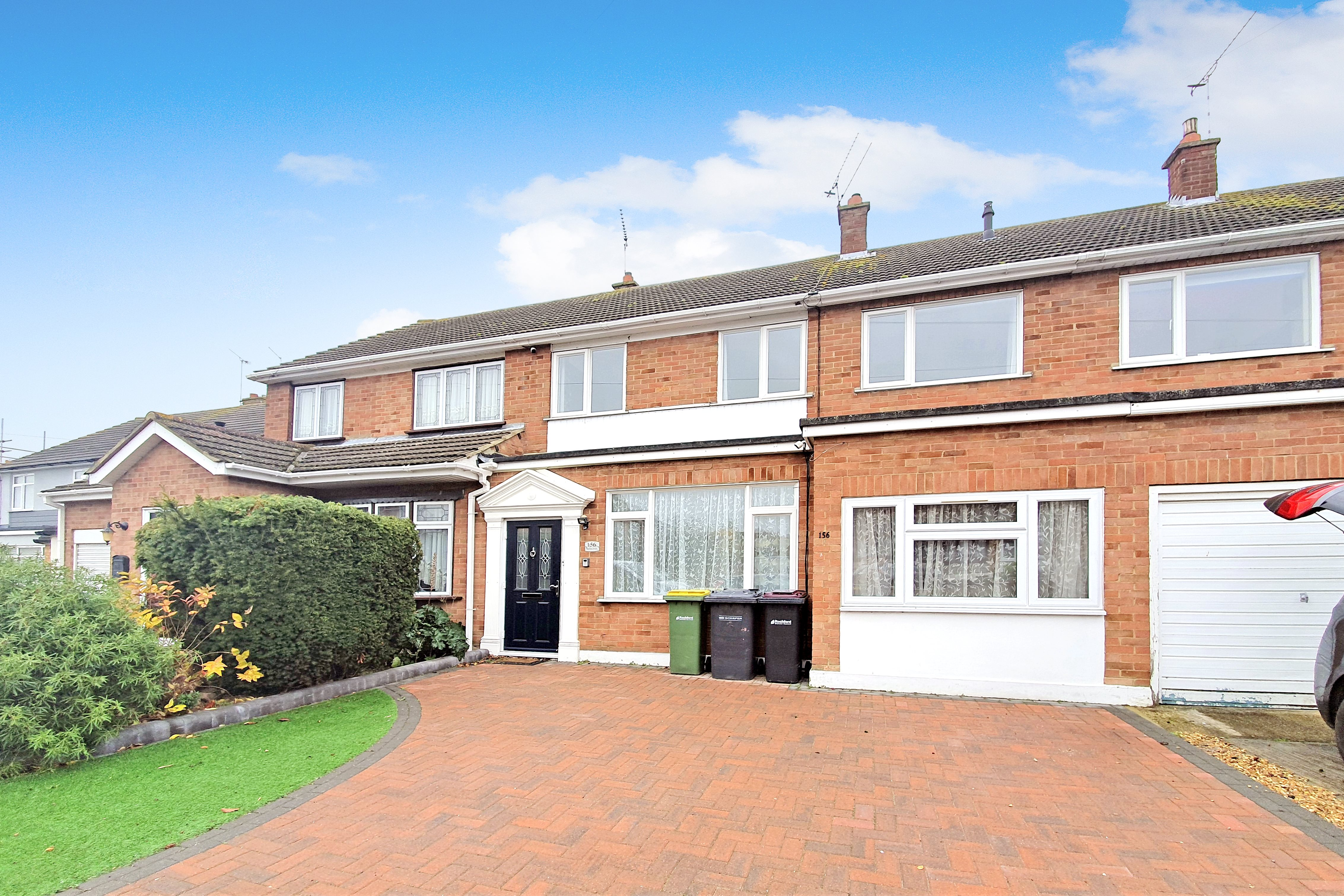 4 bed terraced house to rent in Burnham Road, Hullbridge, SS5