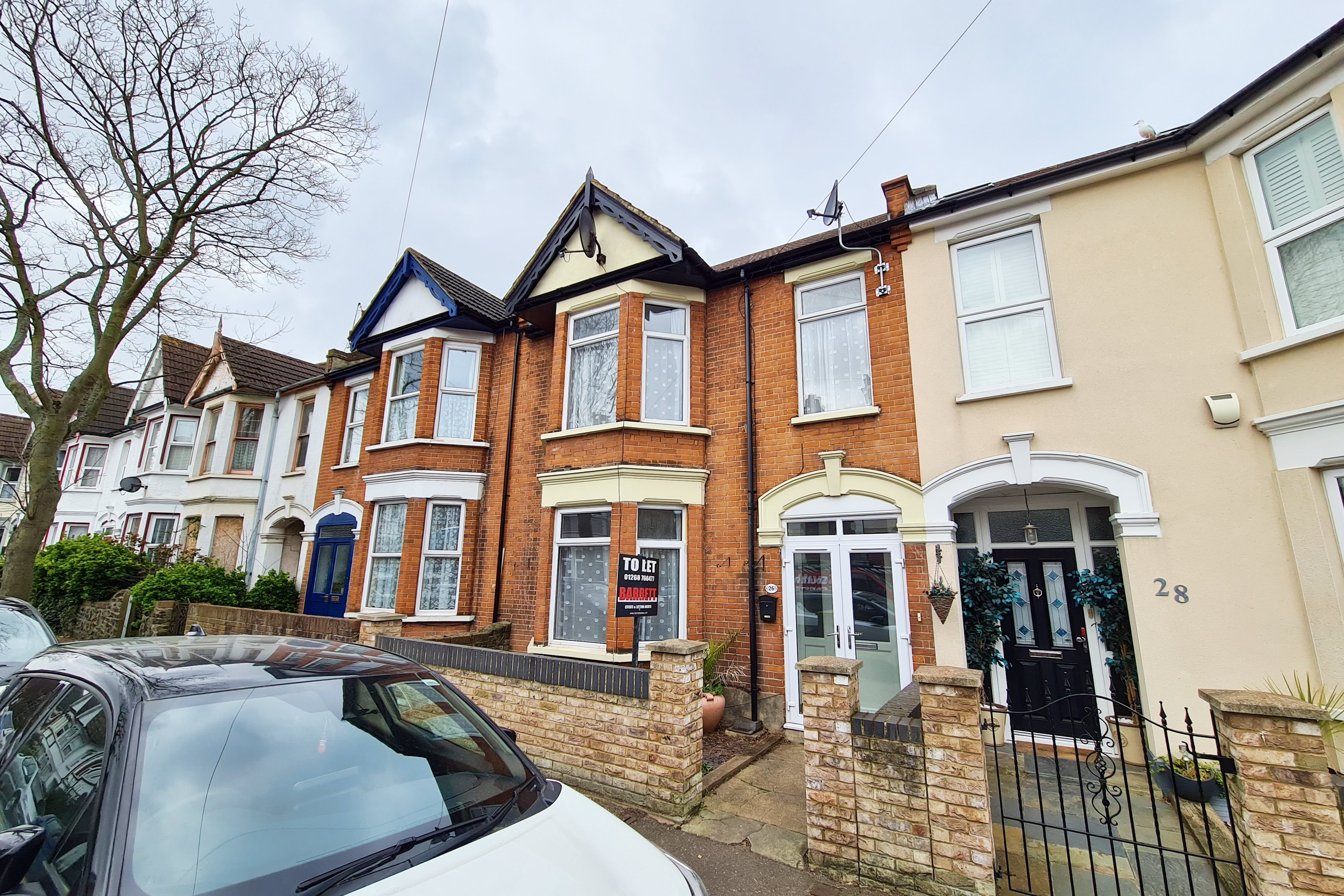 4 bed terraced house to rent in Westcliff-on-Sea, Southend-on-Sea  - Property Image 1