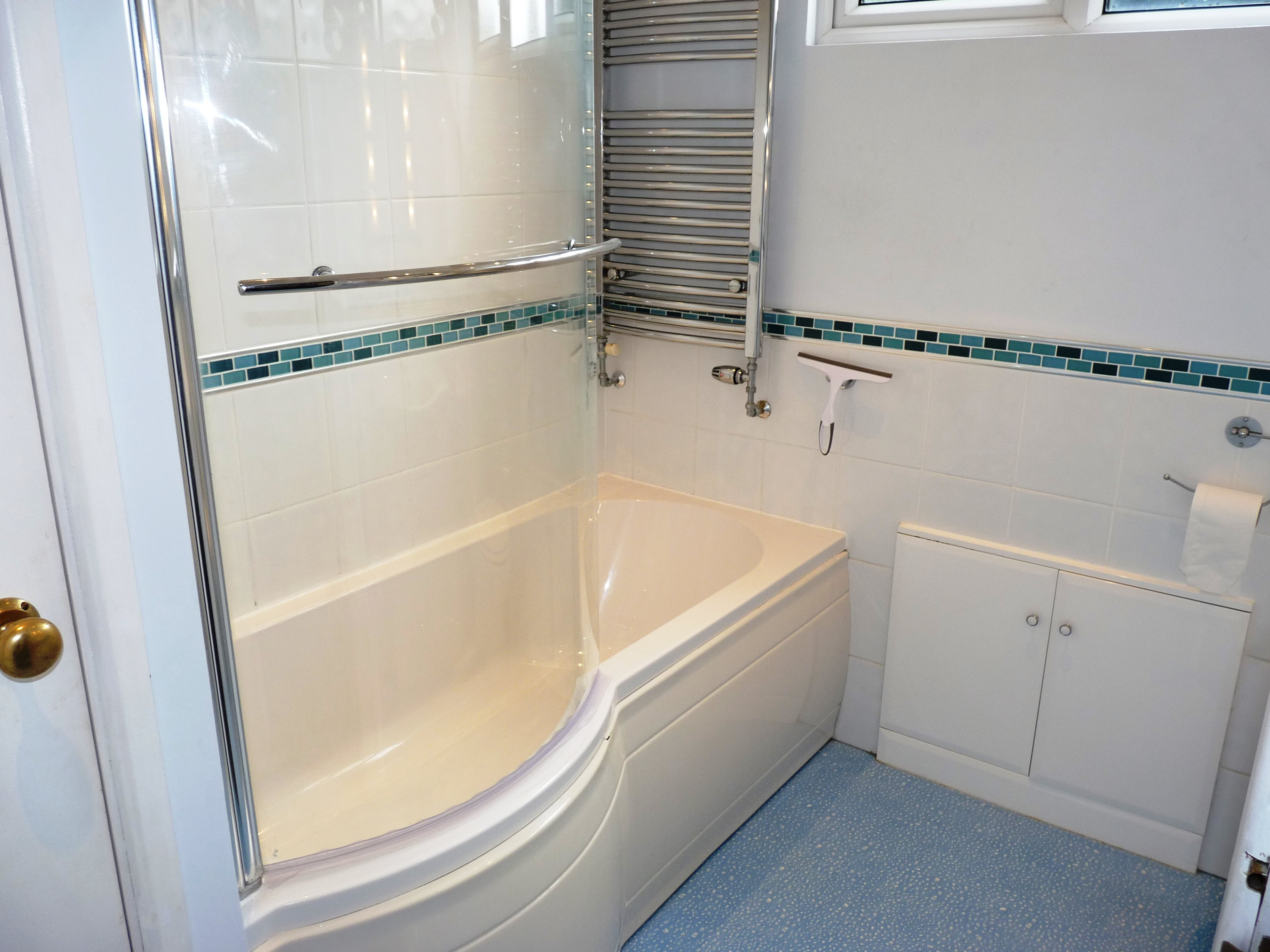 3 bed terraced house to rent in Outwood Common Road, Billericay  - Property Image 11