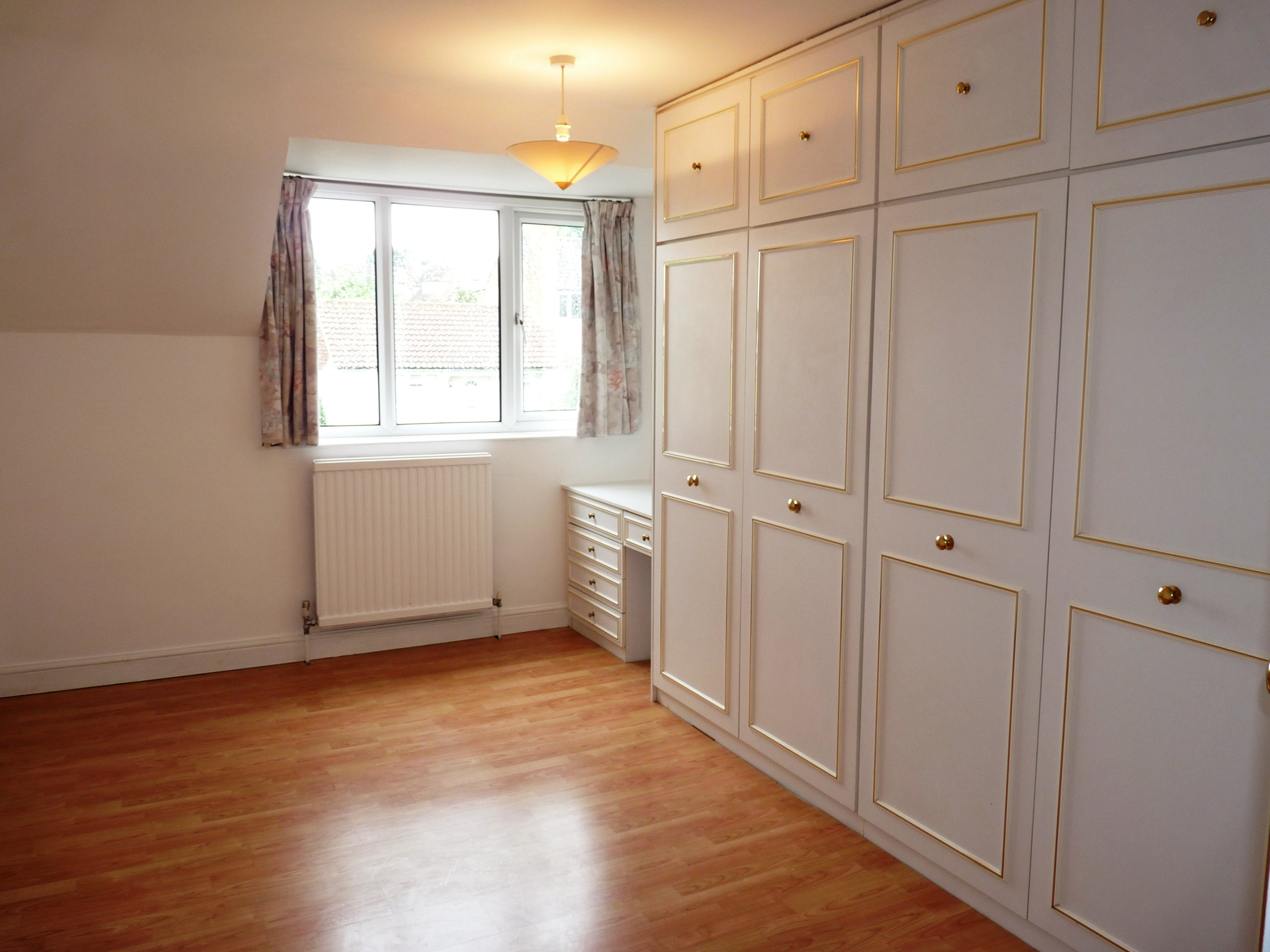 3 bed terraced house to rent in Outwood Common Road, Billericay  - Property Image 7