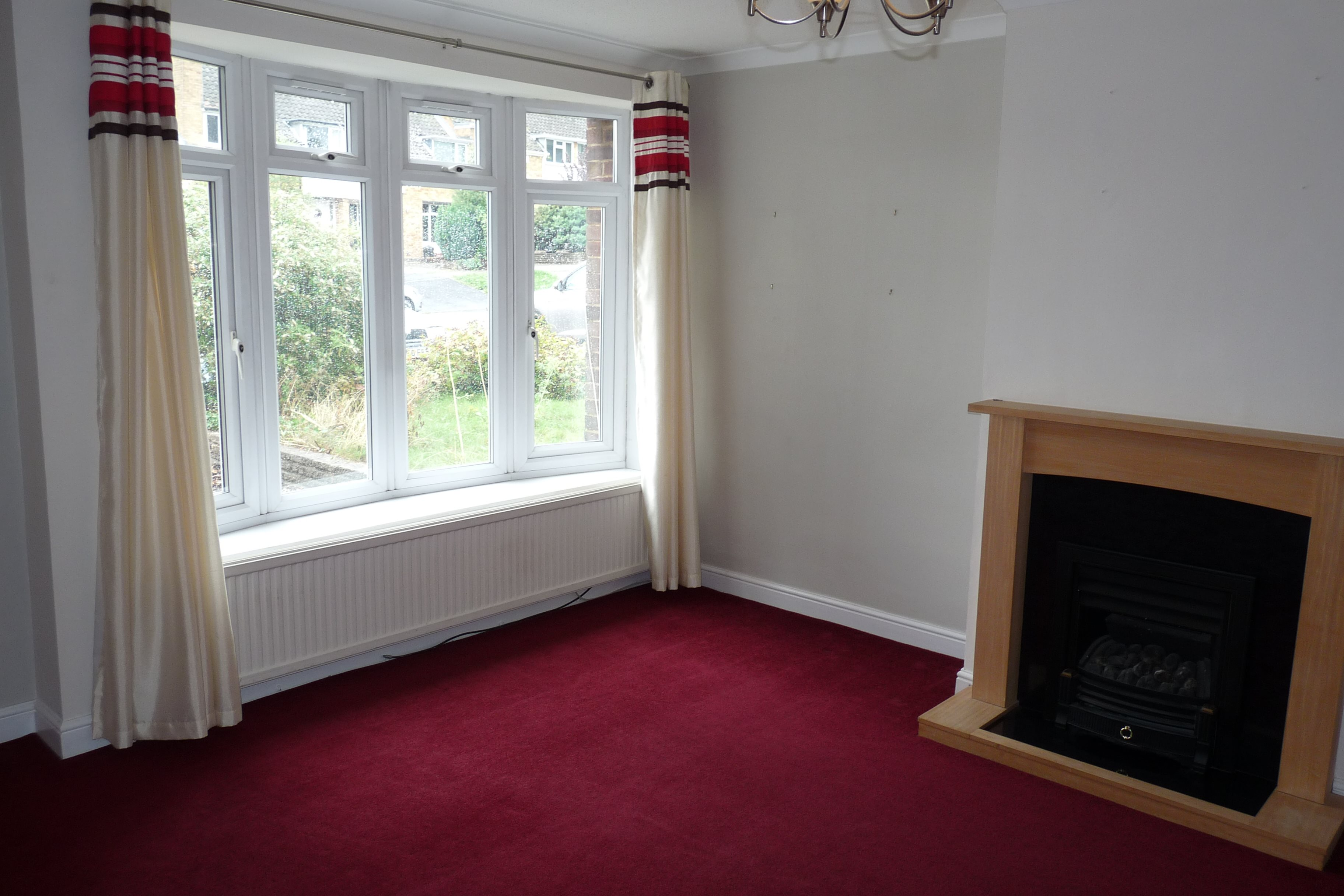 3 bed terraced house to rent in Outwood Common Road, Billericay 3