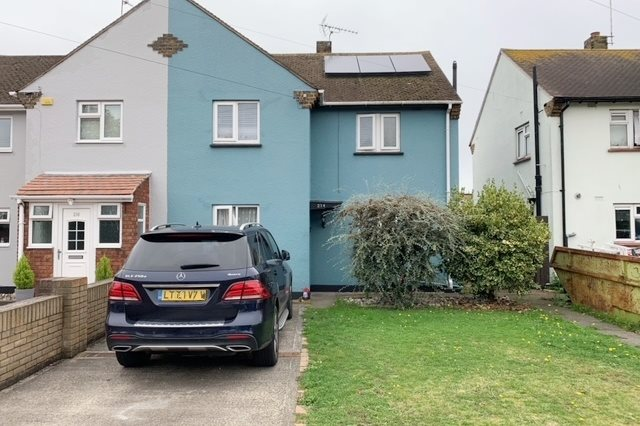 3 bed semi-detached house to rent in Eastern Avenue, Southend-on-Sea - Property Image 1