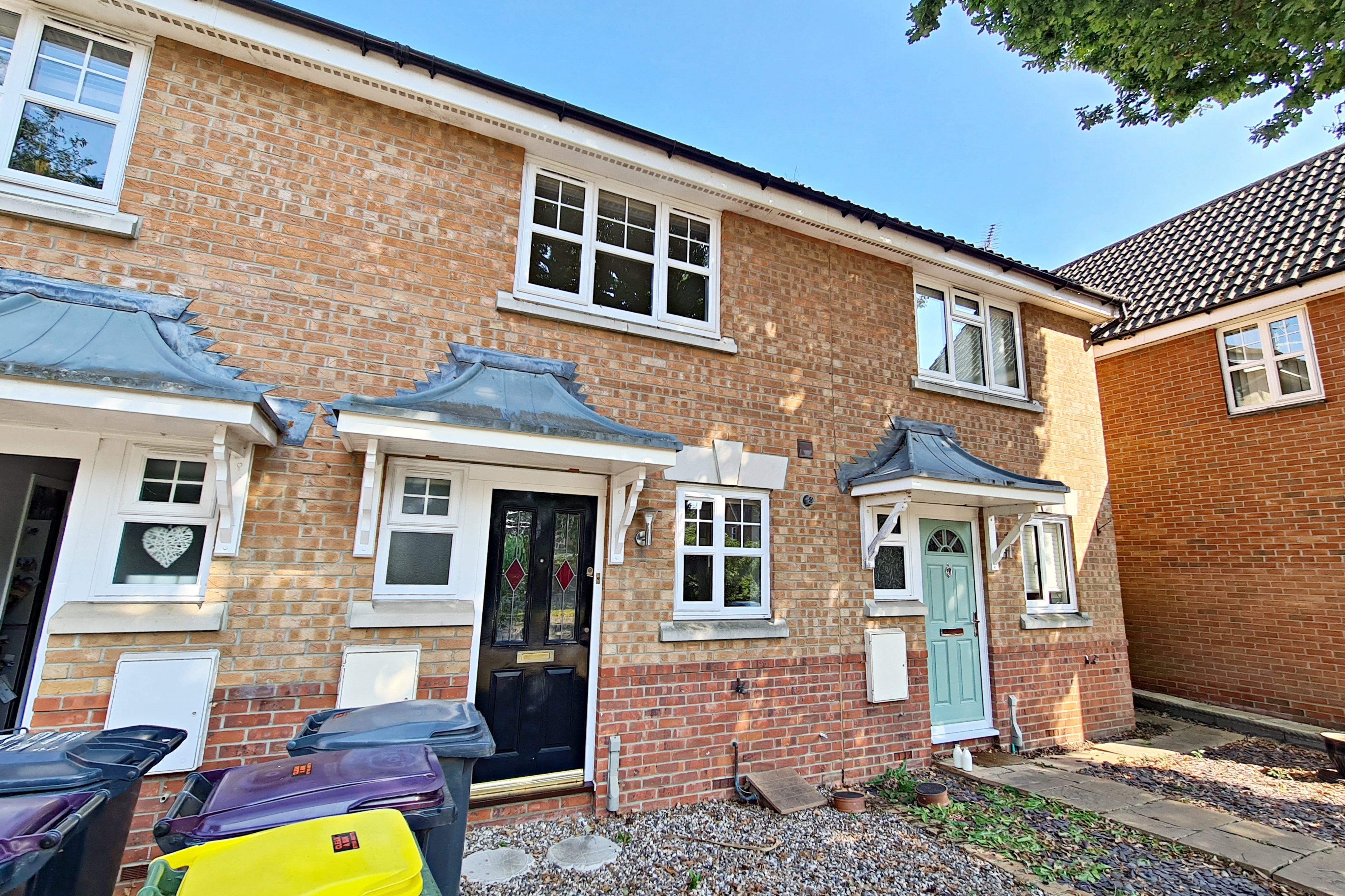 2 bed terraced house to rent in Brunswick Place, Rayleigh  - Property Image 1