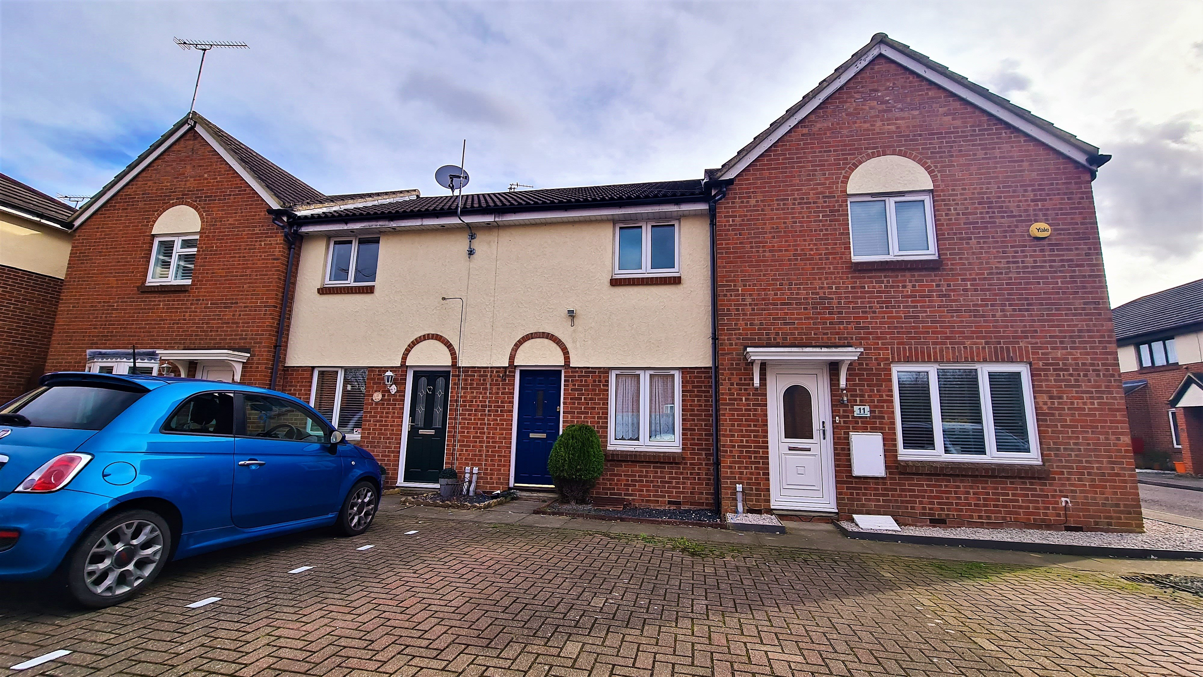 2 bed terraced house to rent in Maitland Road, Wickford - Property Image 1