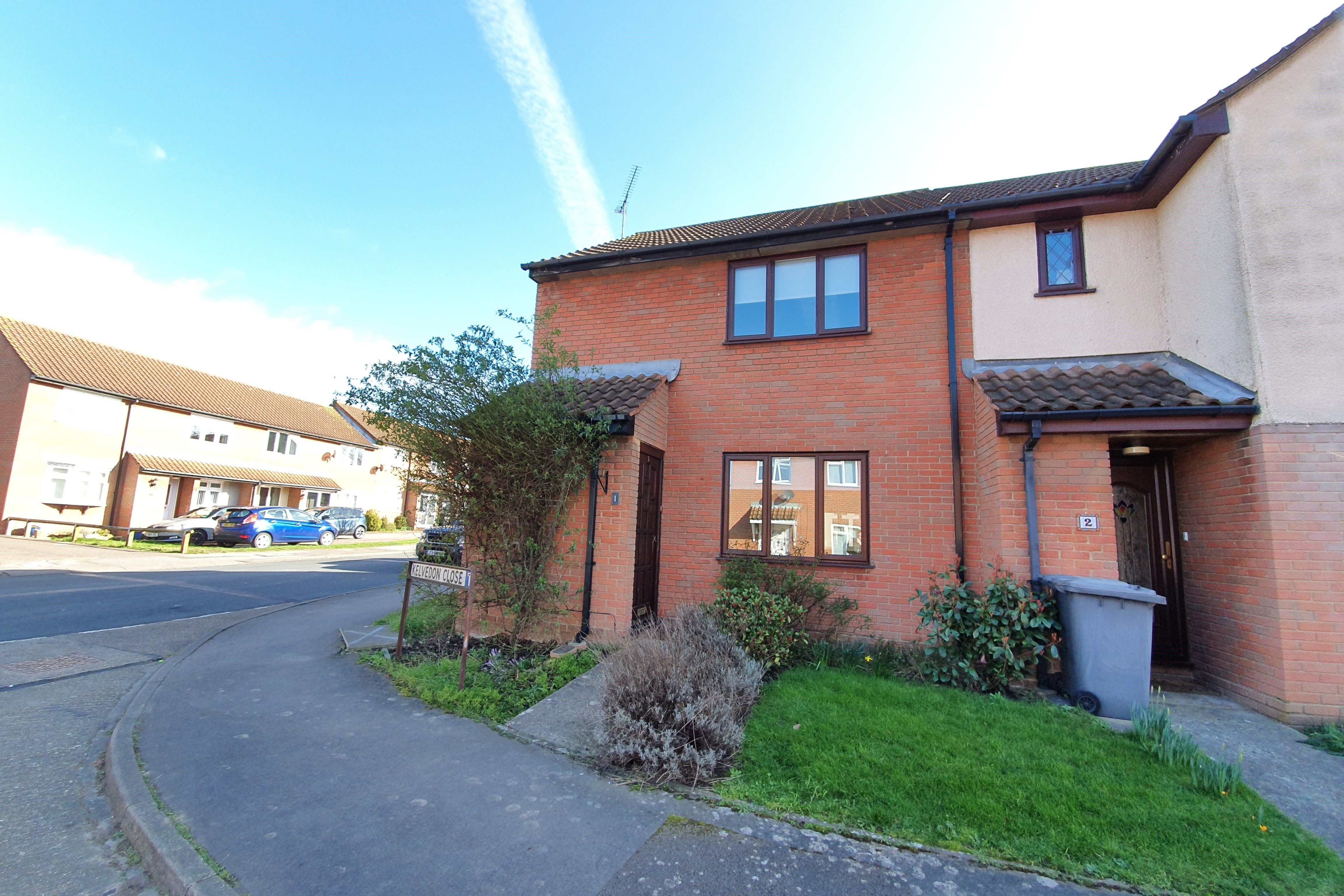 2 bed semi-detached house to rent in Kelvedon Close, SS6