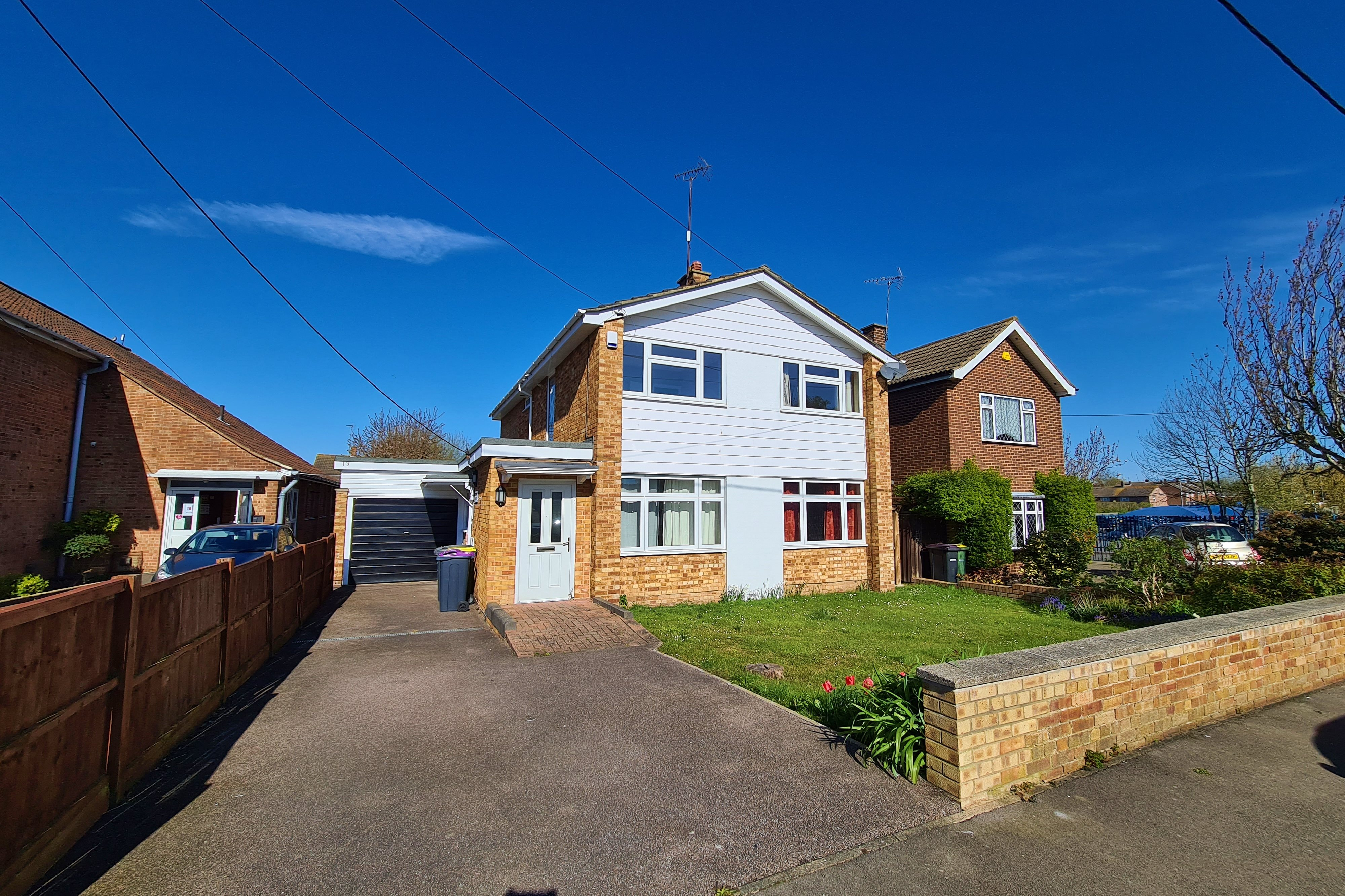 4 bed detached house to rent in Sir Walter Raleigh Drive, Rayleigh - Property Image 1