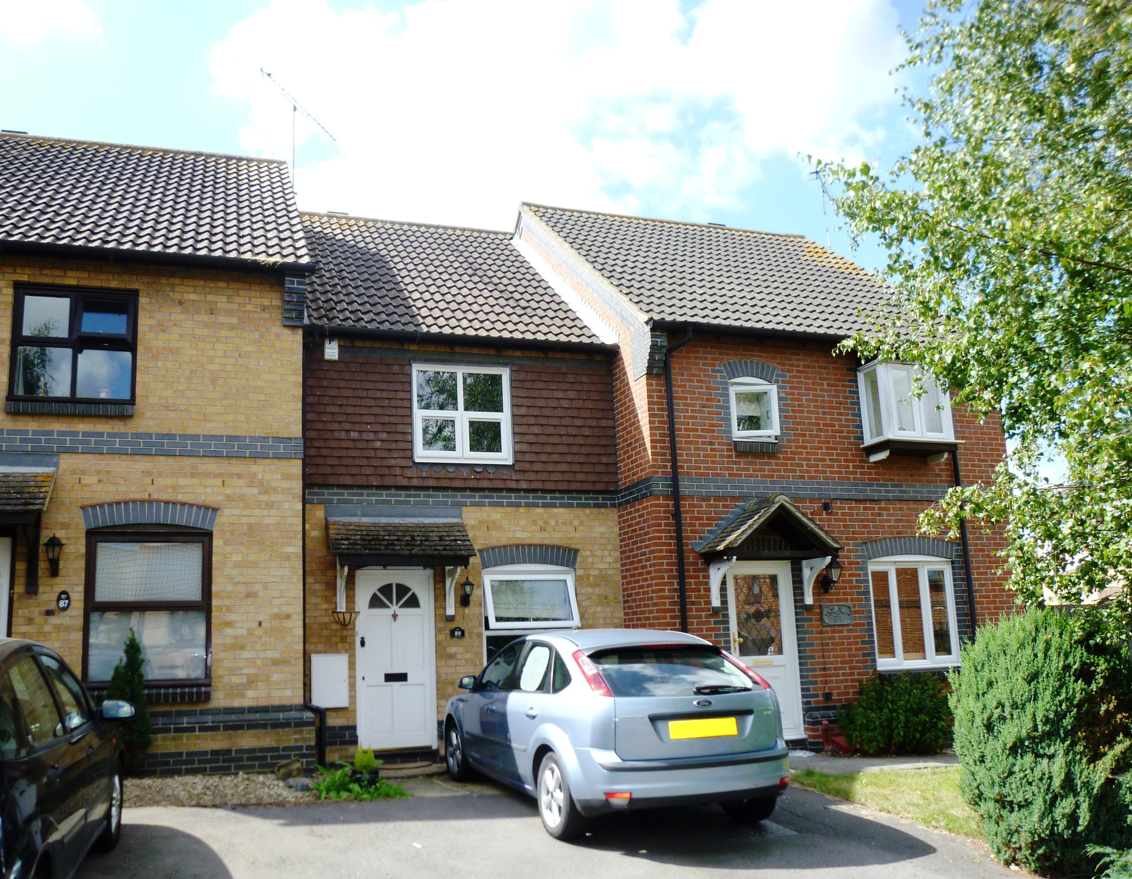 2 bed terraced house to rent in Langham Drive, Rayleigh, SS6