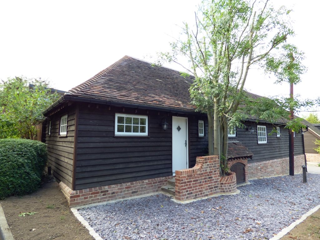 1 bed semi-detached bungalow to rent in Main Road, Rettendon Common  - Property Image 1