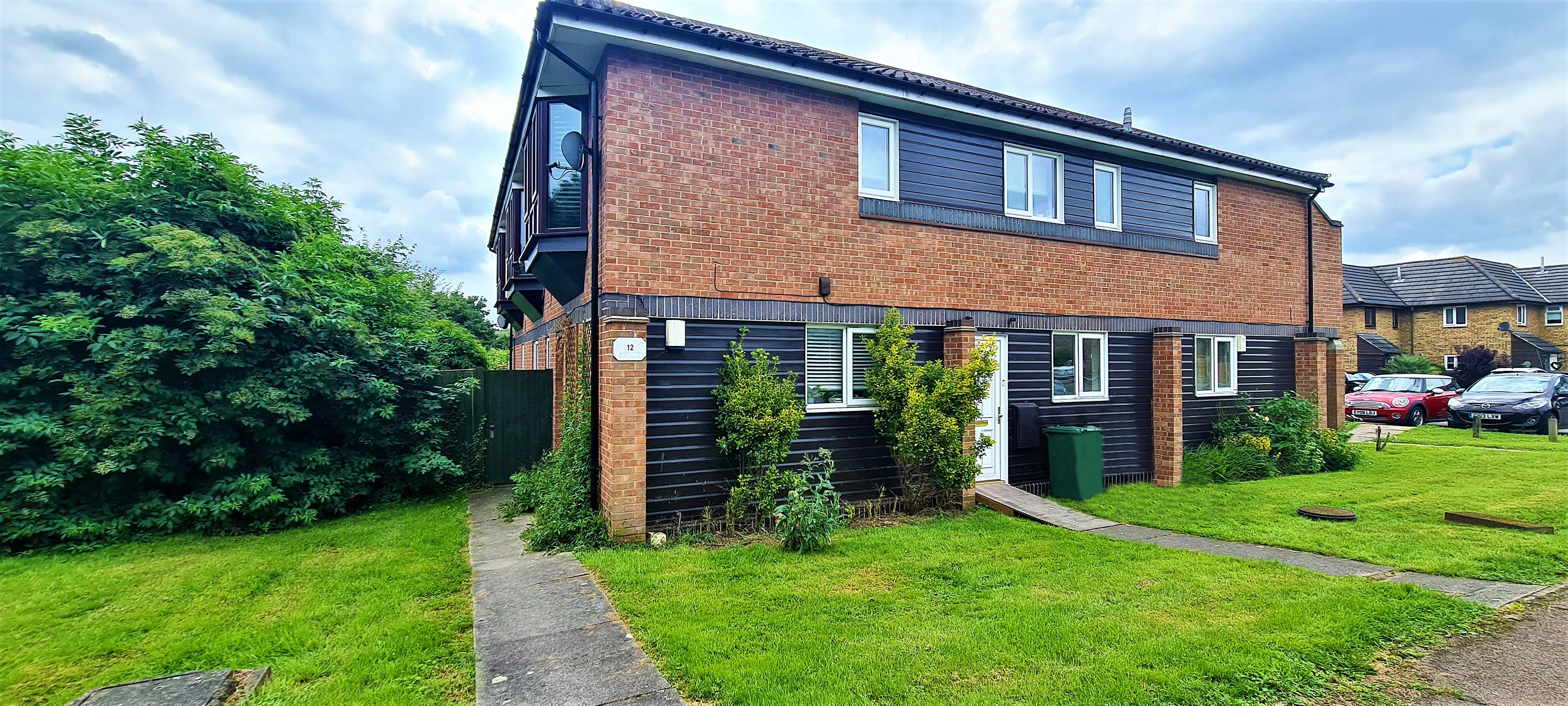 1 bed for sale in Orlando Drive, Basildon 0