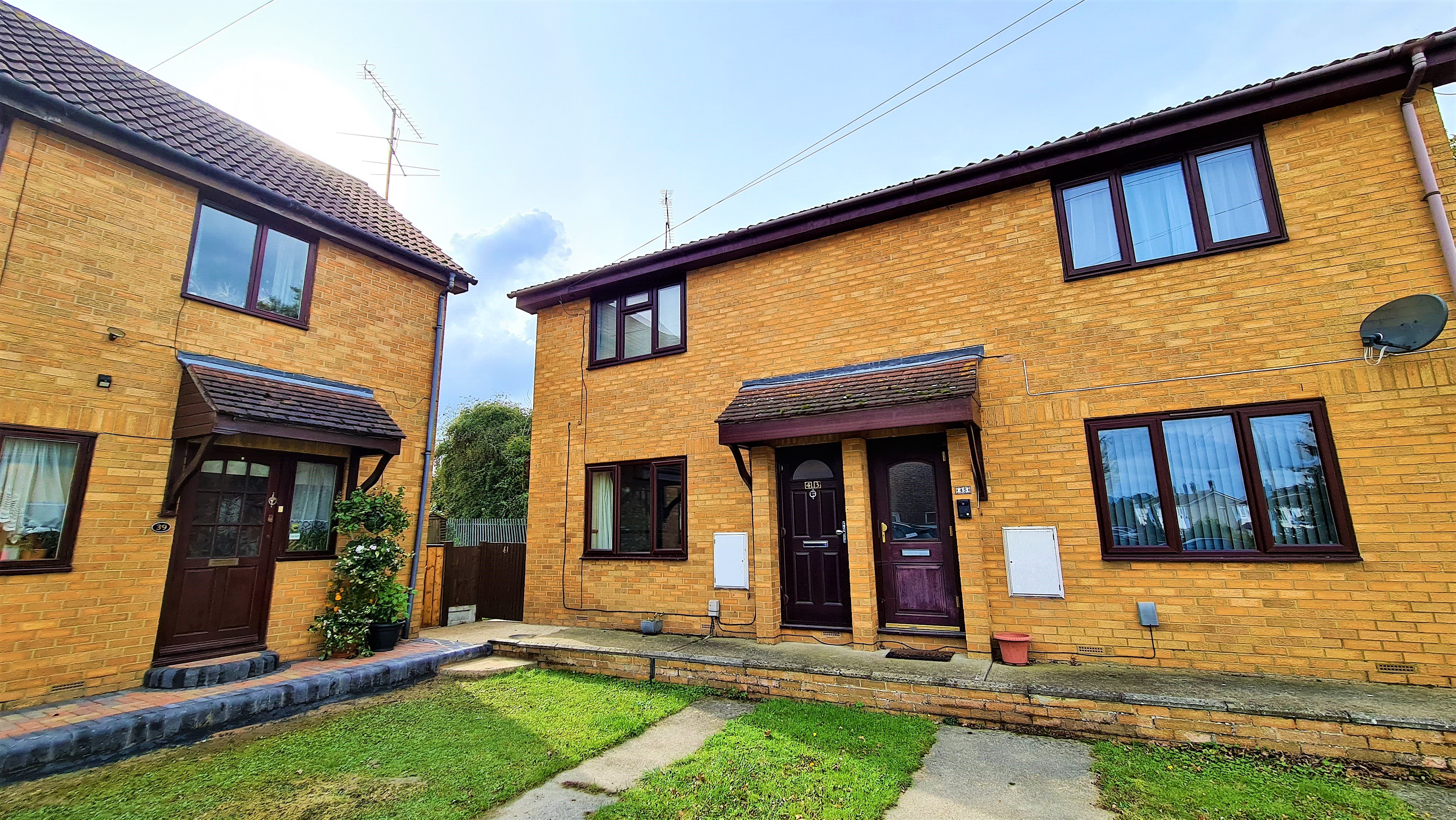 1 bed flat for sale in Mapleleaf Gardens, Wickford, SS12
