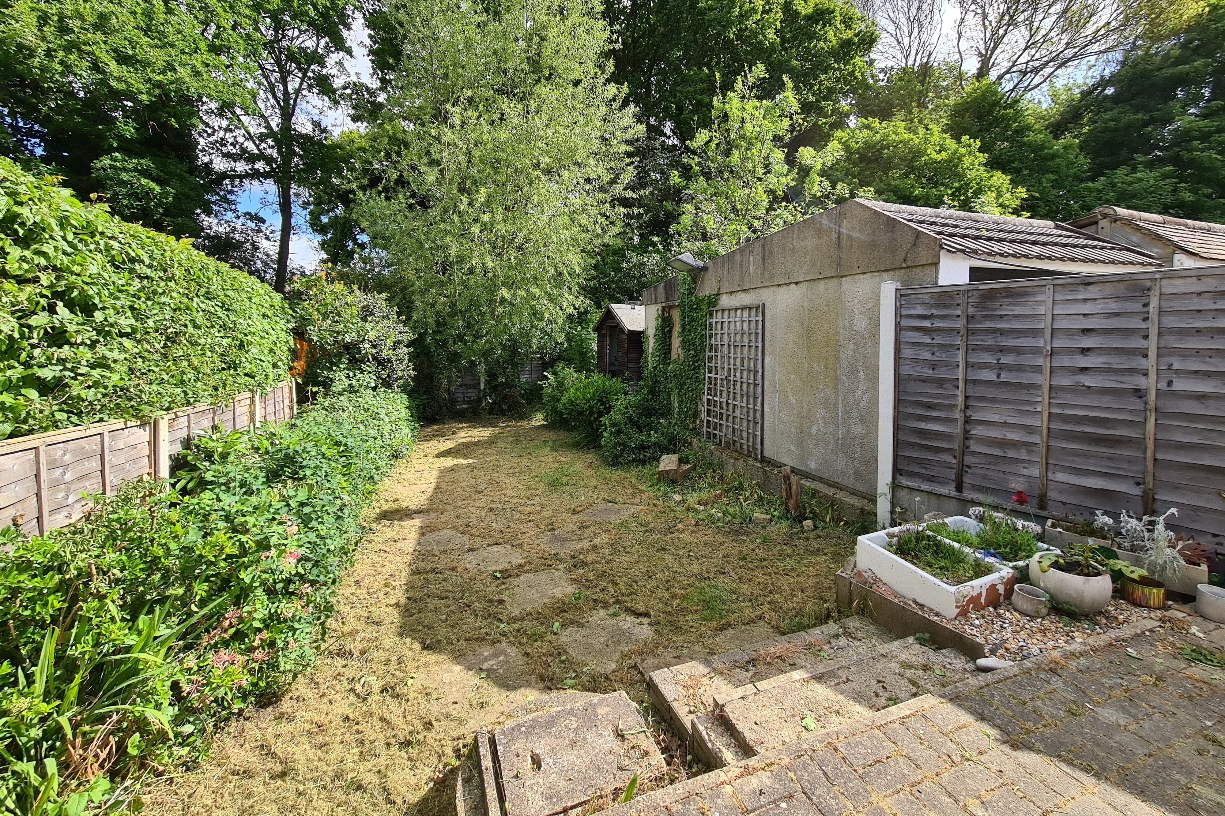 2 bed semi-detached bungalow for sale in Mendip Close, Rayleigh 2