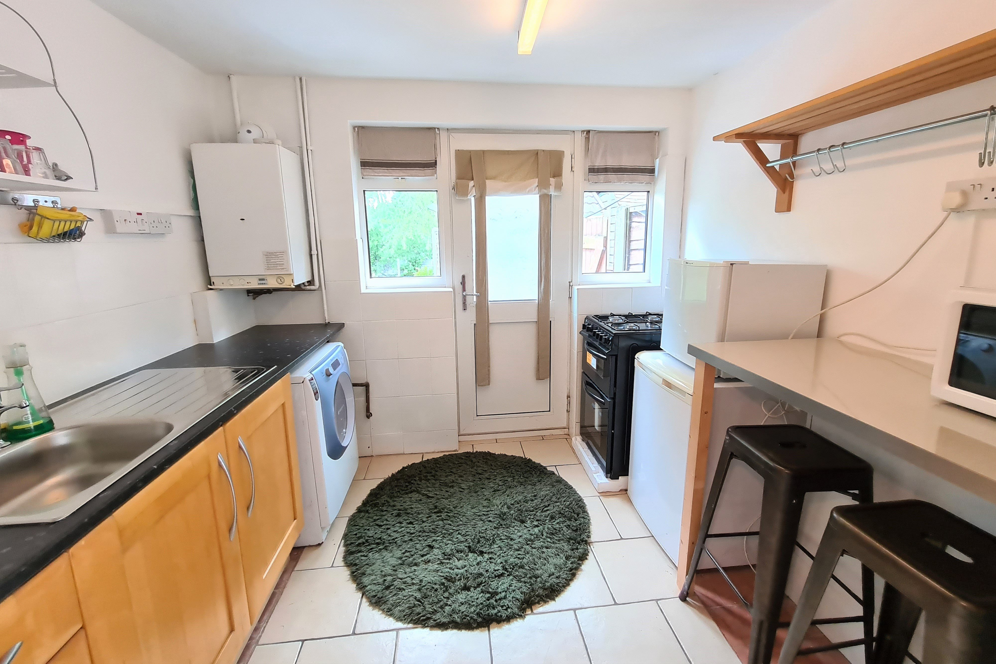 2 bed semi-detached bungalow for sale in Mendip Close, Rayleigh 1