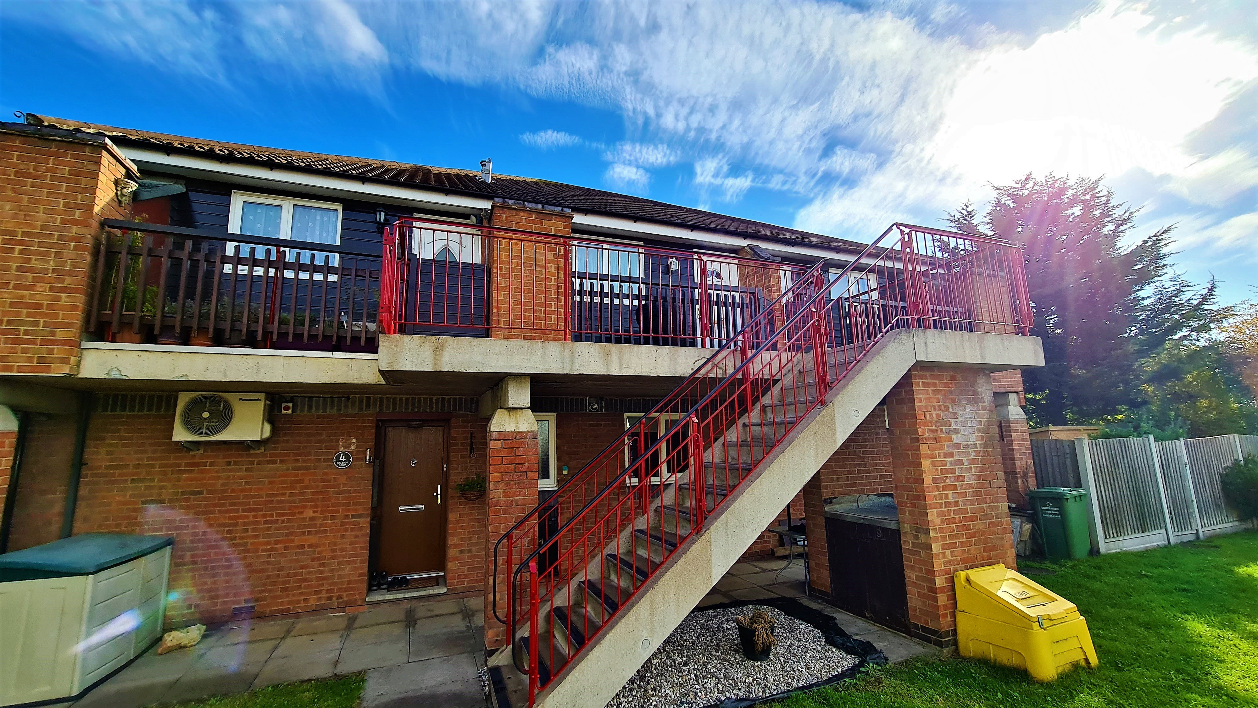 2 bed flat for sale in Orlando Drive, Basildon 11