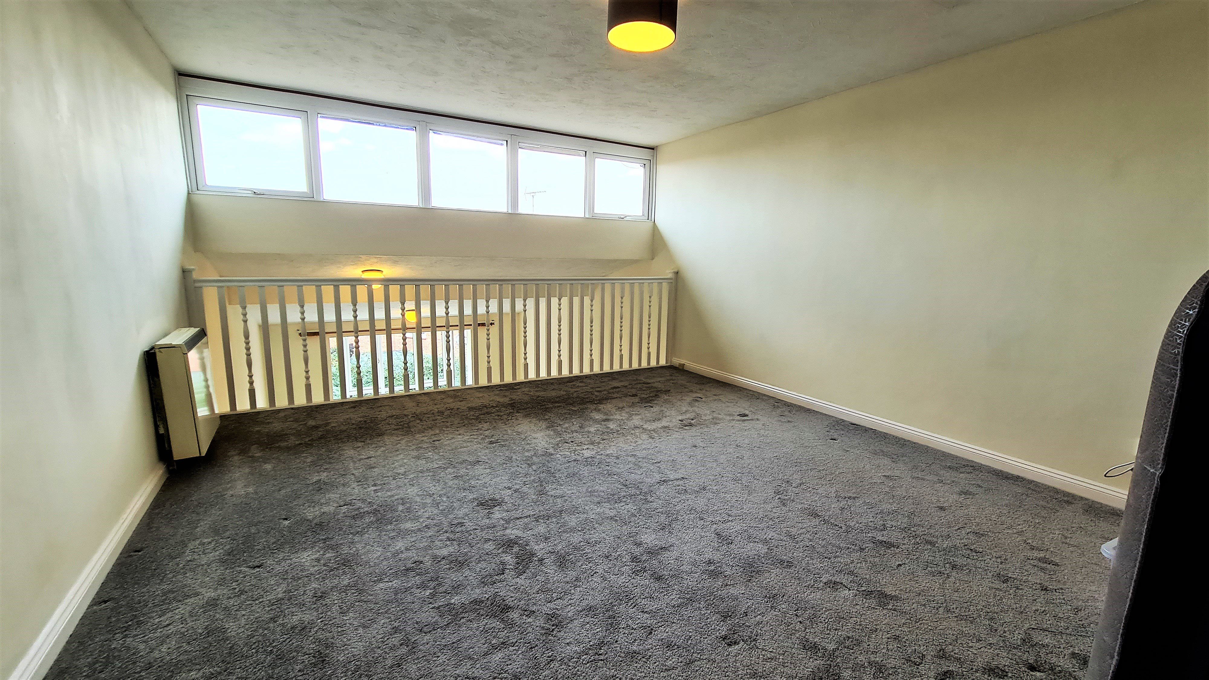 2 bed flat for sale in Orlando Drive, Basildon 5