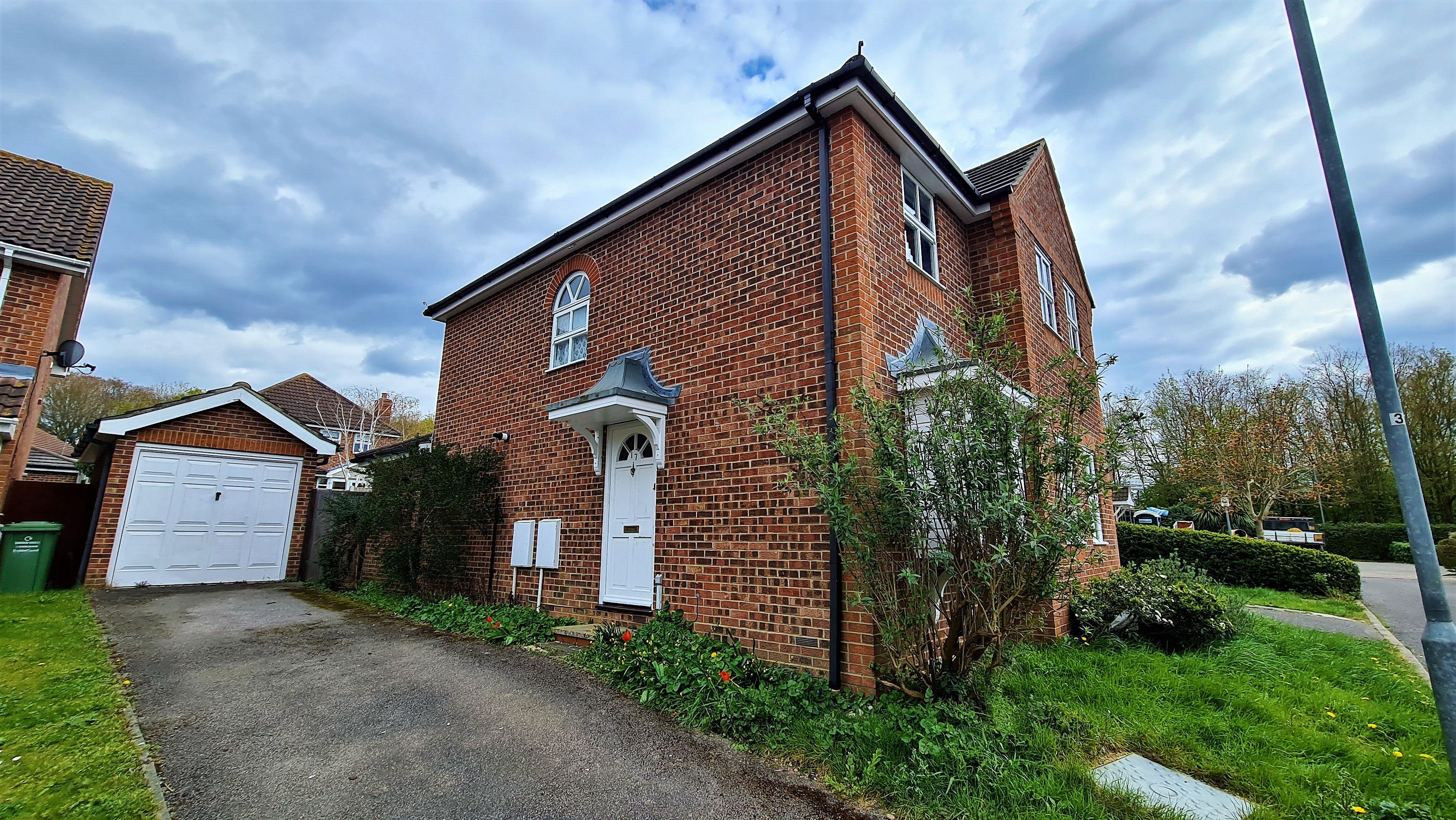 4 bed detached house for sale in Oakham Close, Langdon Hills - Property Image 1