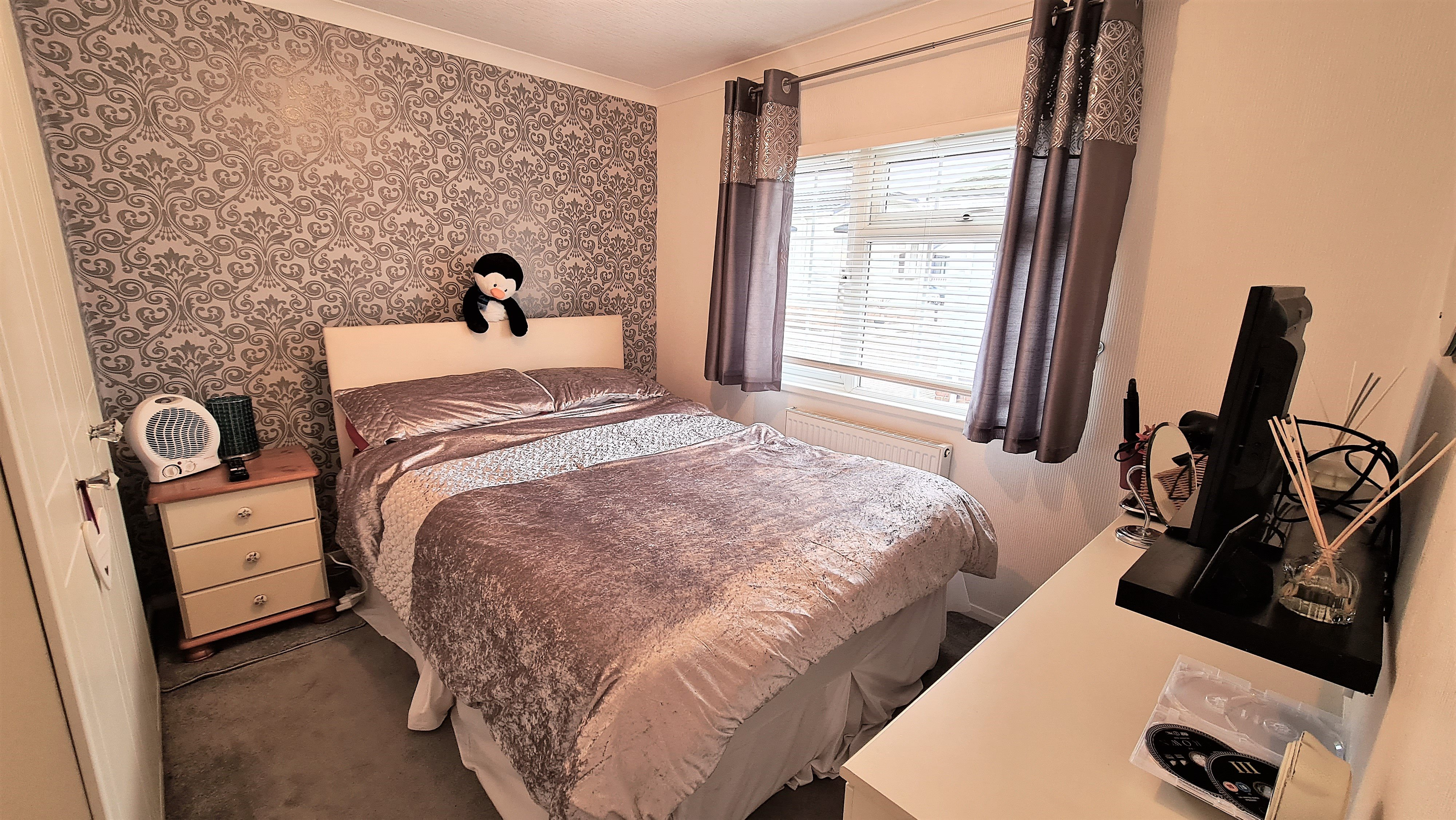 2 bed house for sale in Waterfront, Hayes Country Park 9