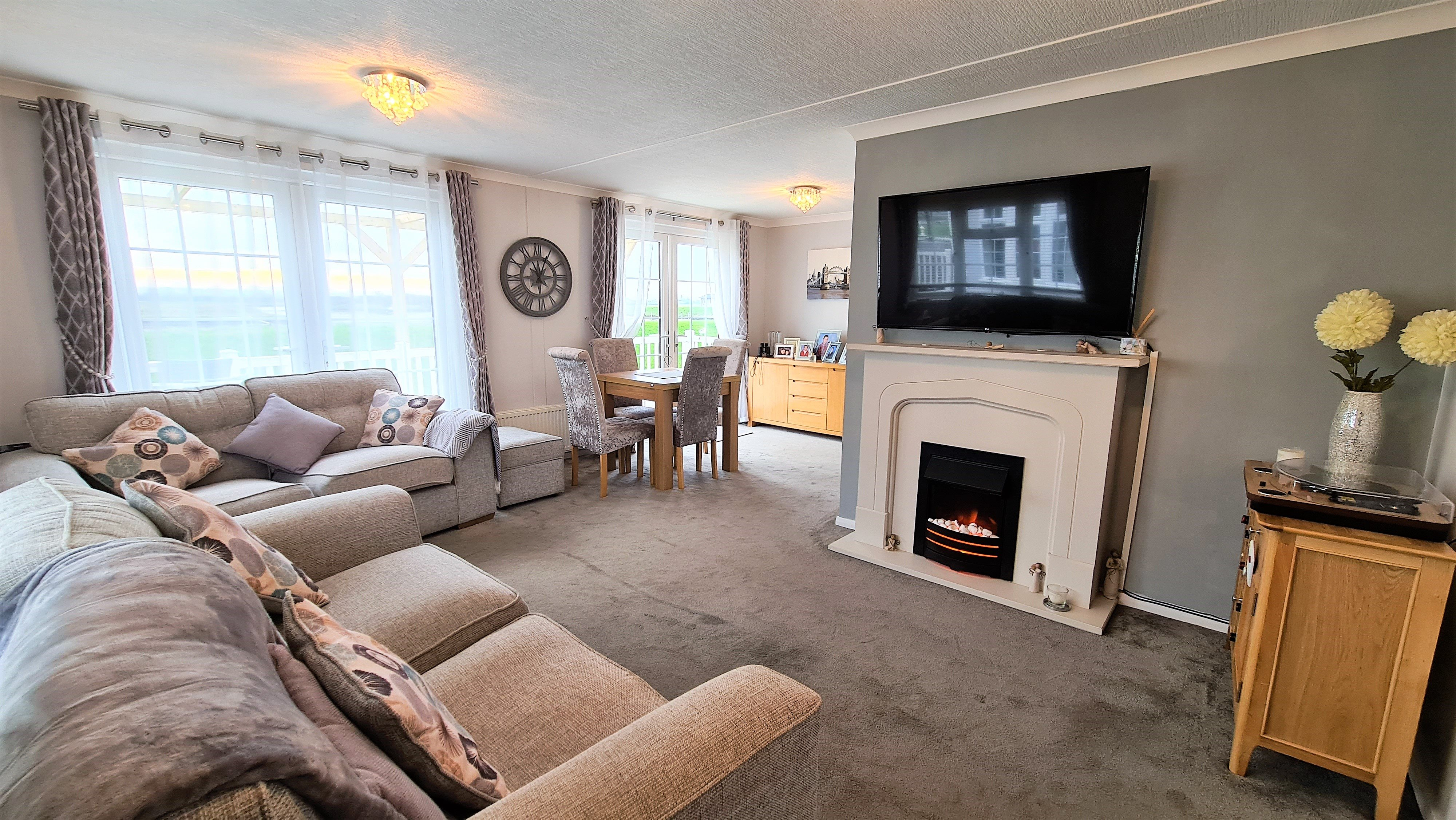 2 bed house for sale in Waterfront, Hayes Country Park 3