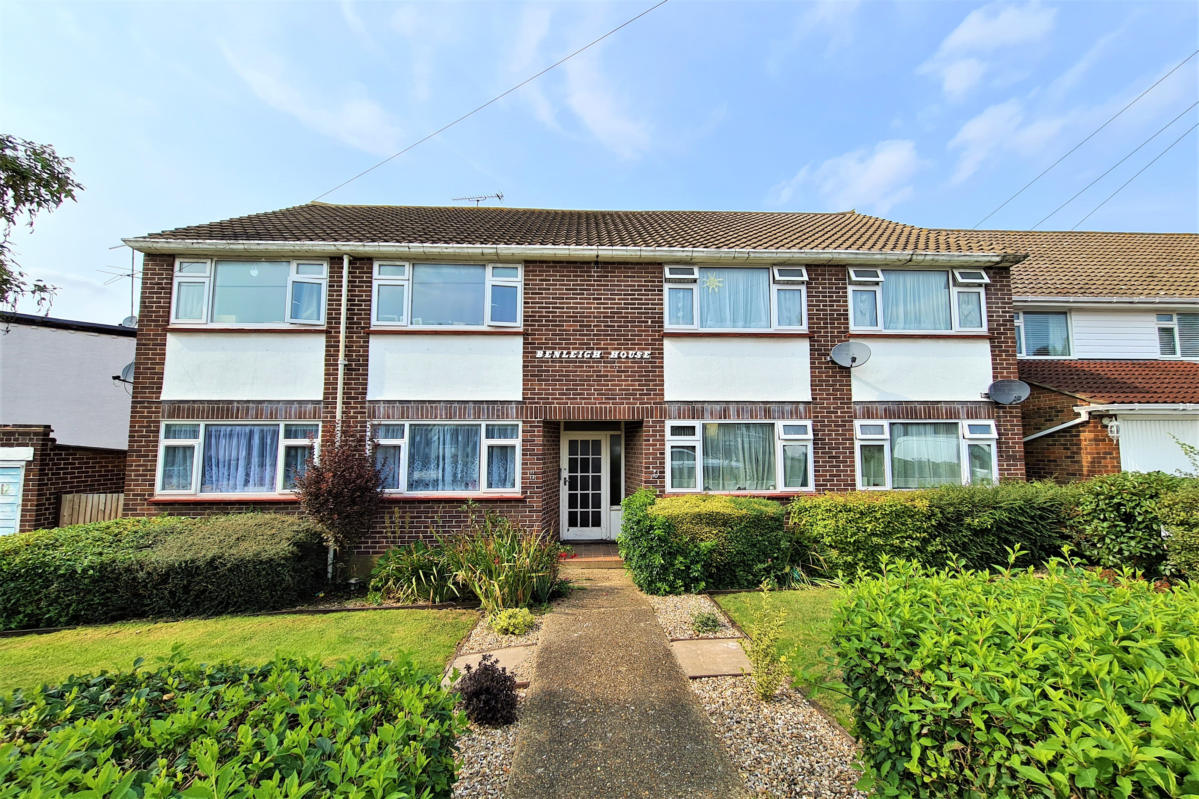 2 bed flat for sale in Benleigh House, Down Hall Road 7