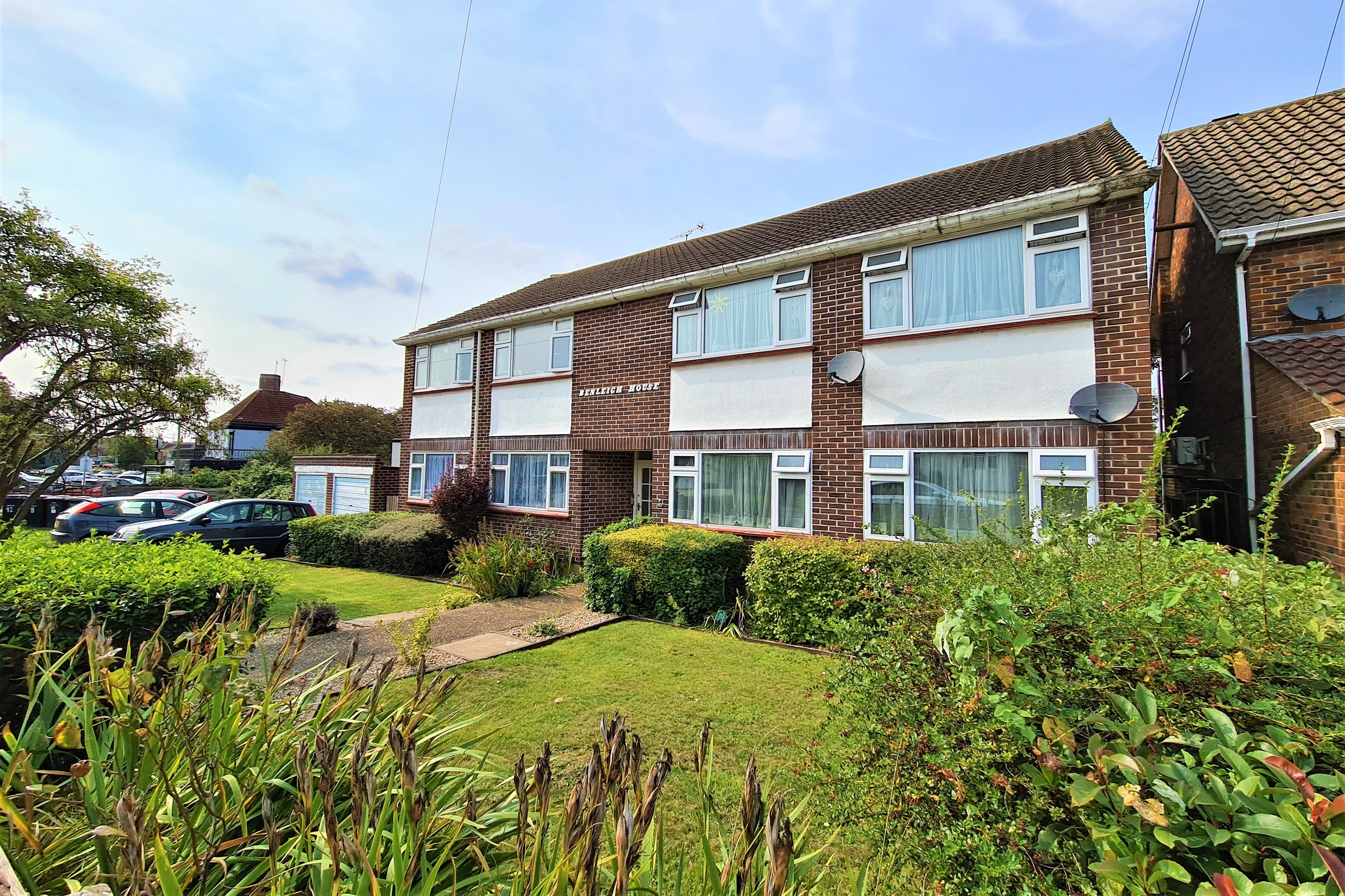 2 bed flat for sale in Benleigh House, Down Hall Road 8