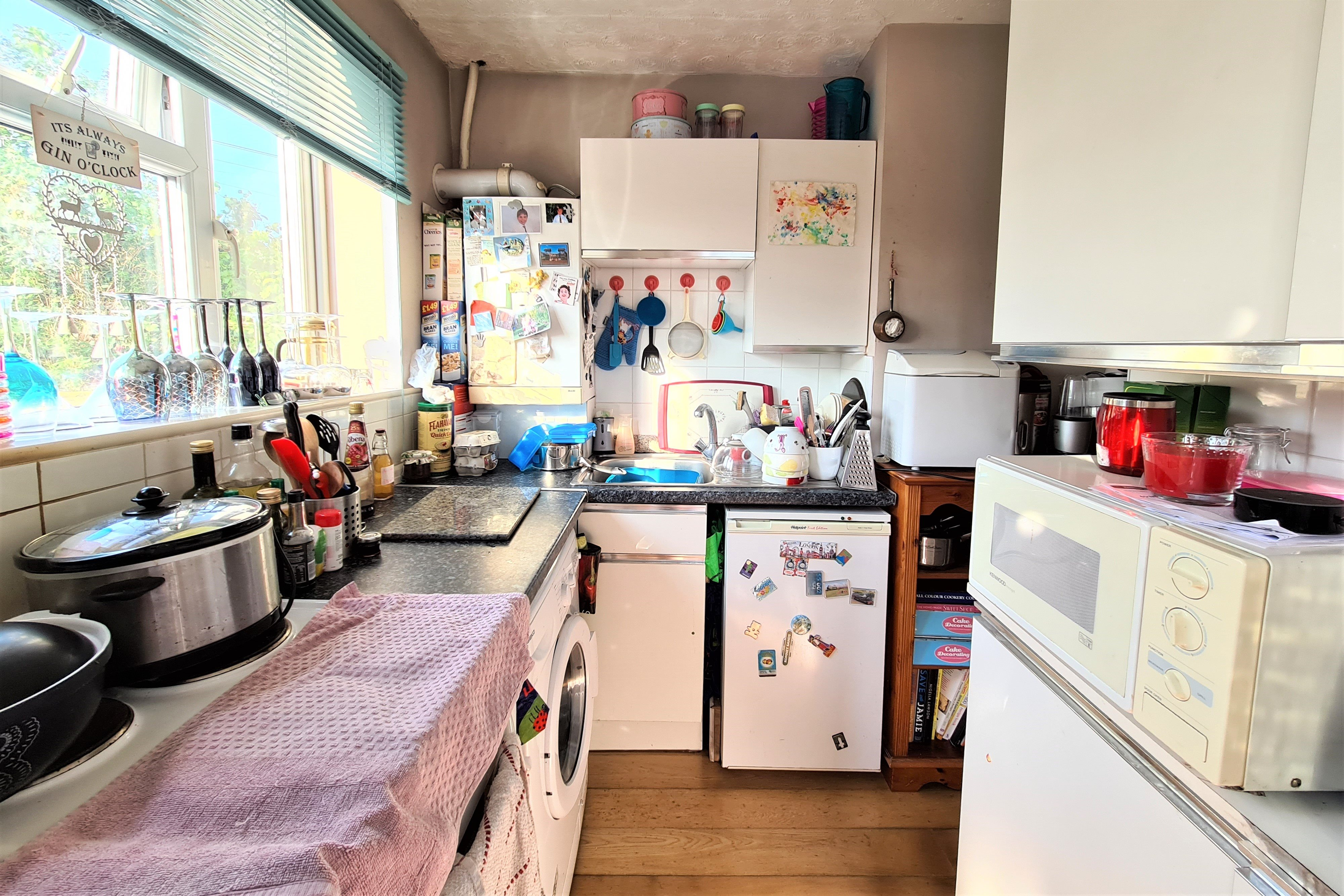 2 bed flat for sale in Benleigh House, Down Hall Road 4