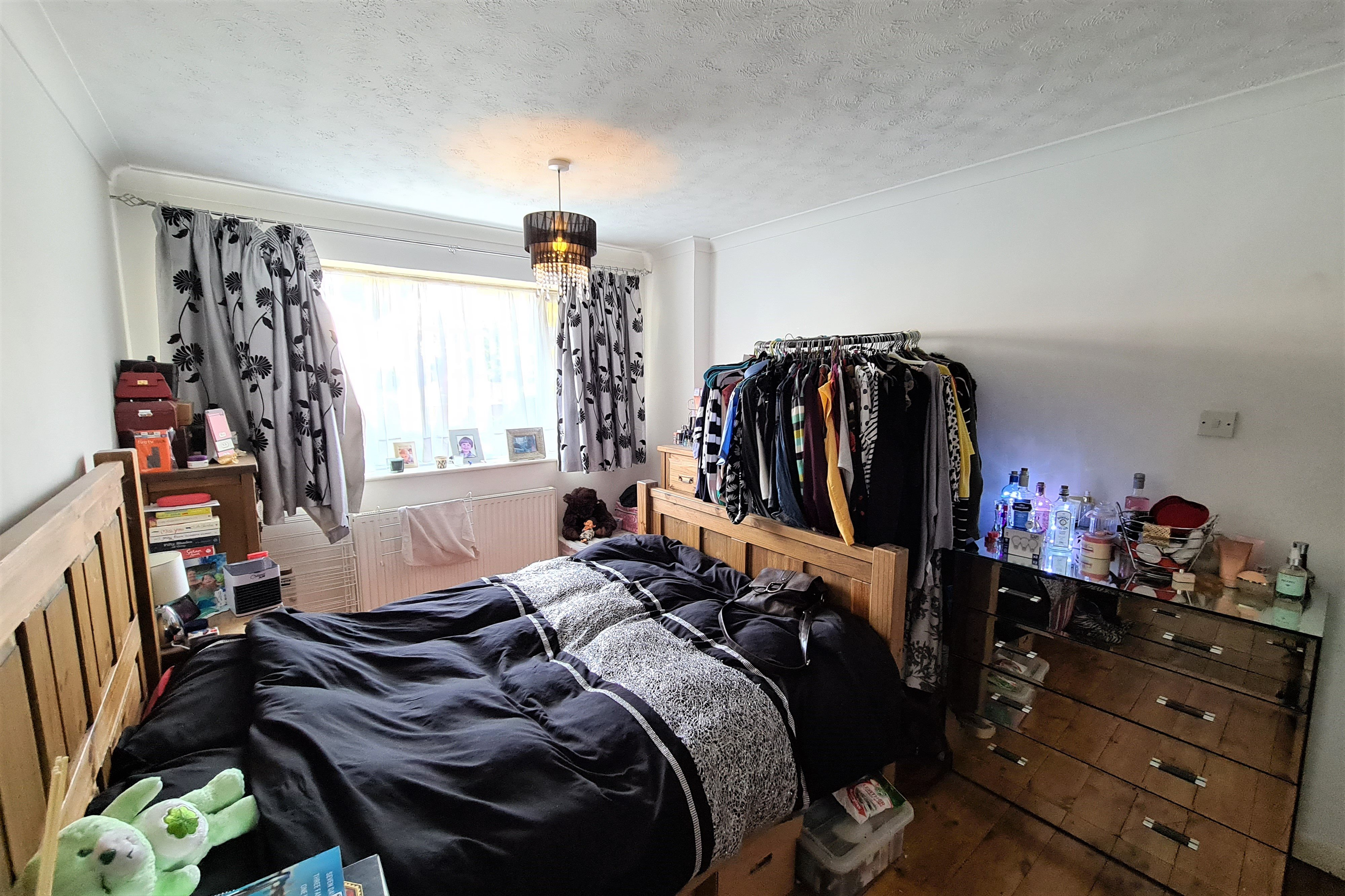 2 bed flat for sale in Benleigh House, Down Hall Road 6