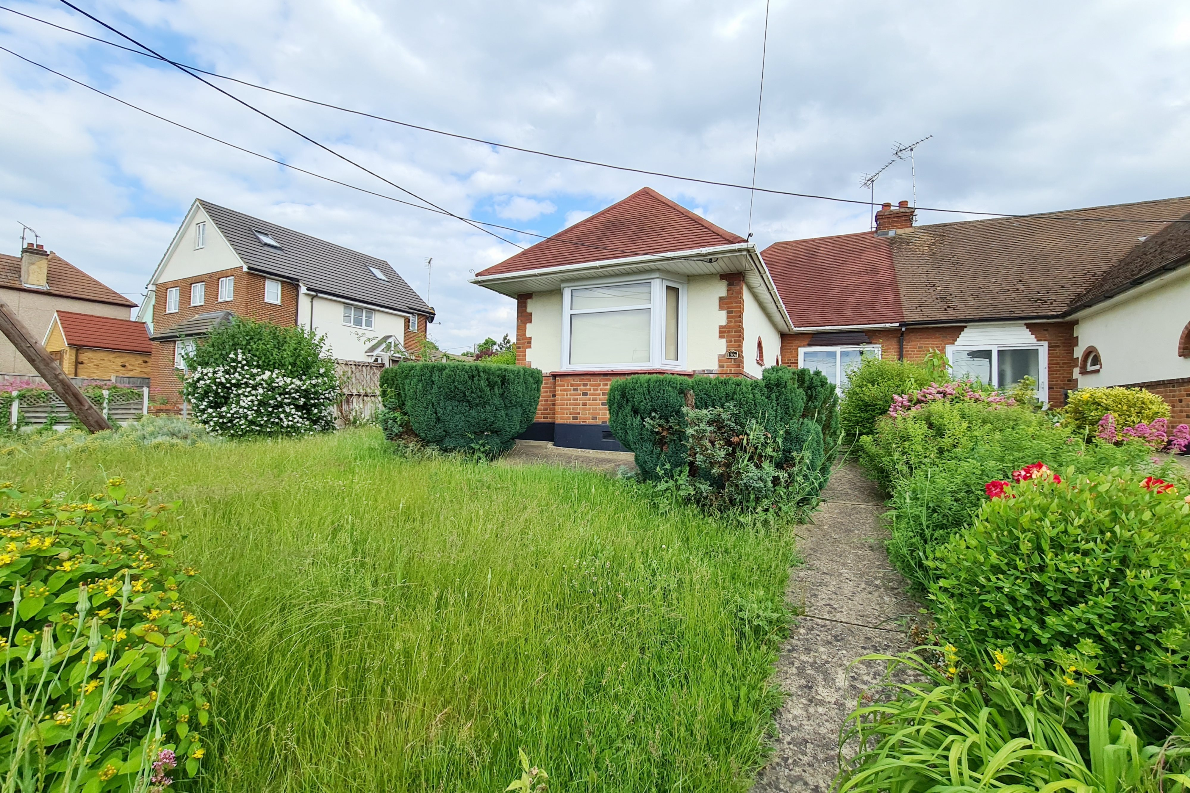 2 bed semi-detached bungalow for sale in Downhall Road, Rayleigh - Property Image 1