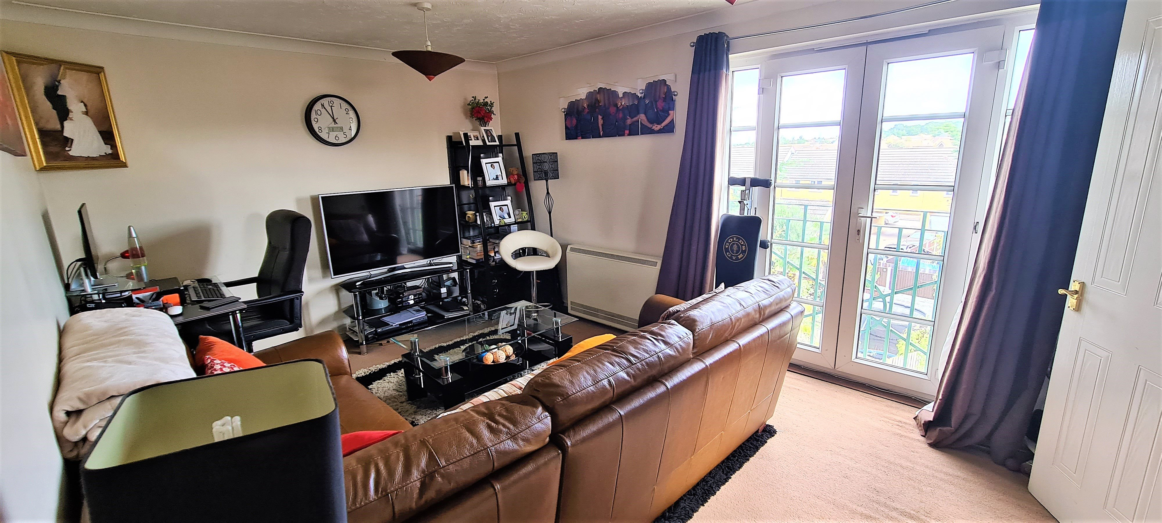 2 bed flat for sale in Rawlyn Close, Chafford Hundred  - Property Image 5