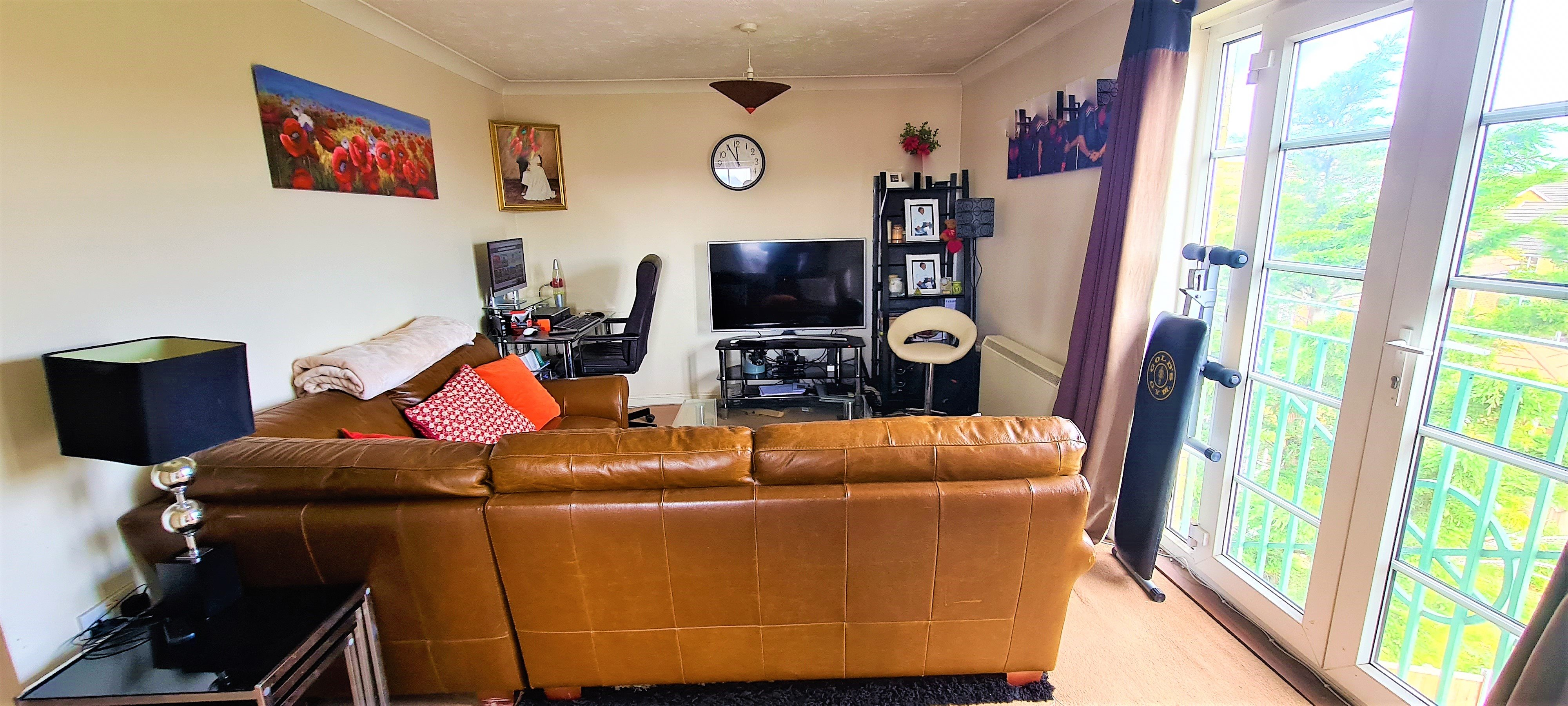 2 bed flat for sale in Rawlyn Close, Chafford Hundred 1