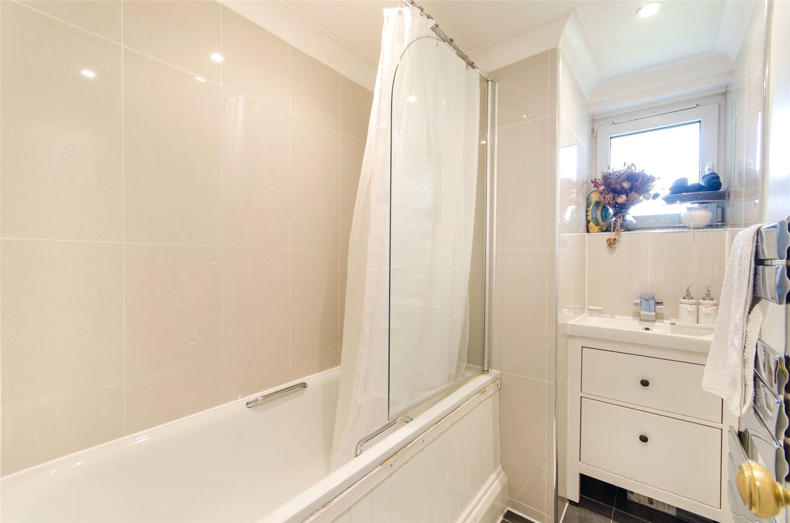 2 bed flat for sale in Wimbledon  - Property Image 2