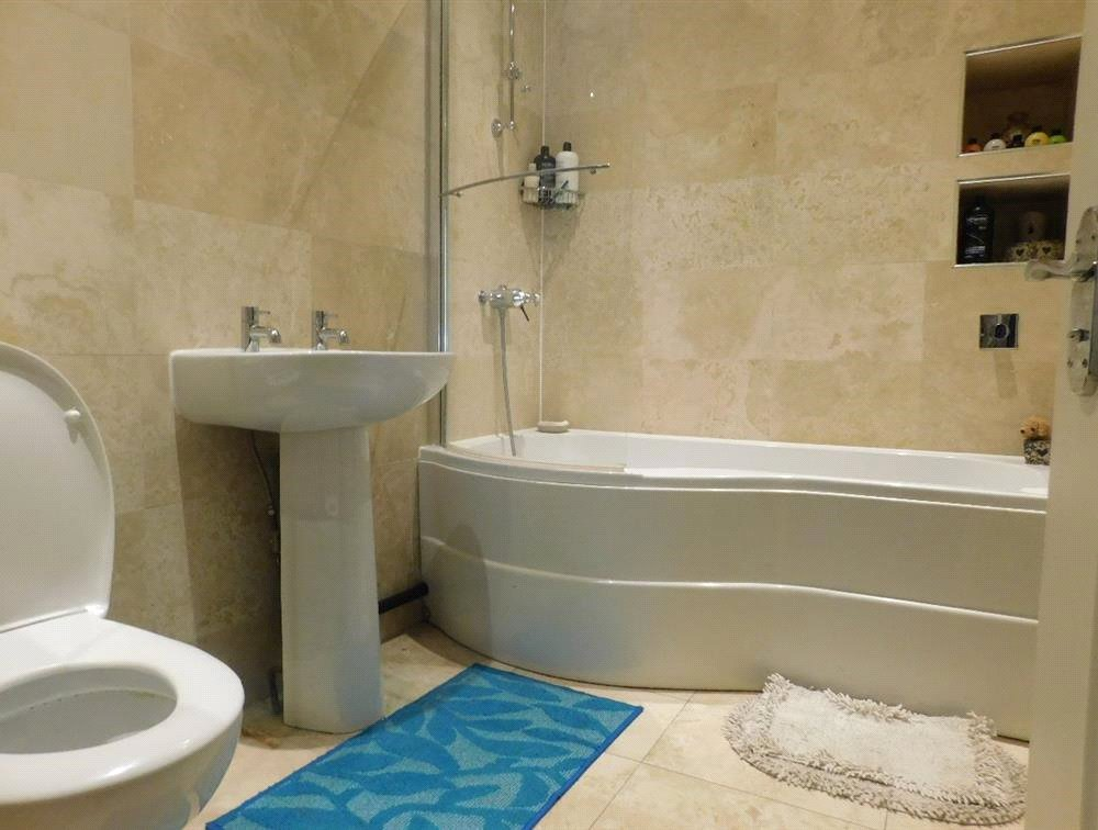 1 bed flat for sale in Streatham 2