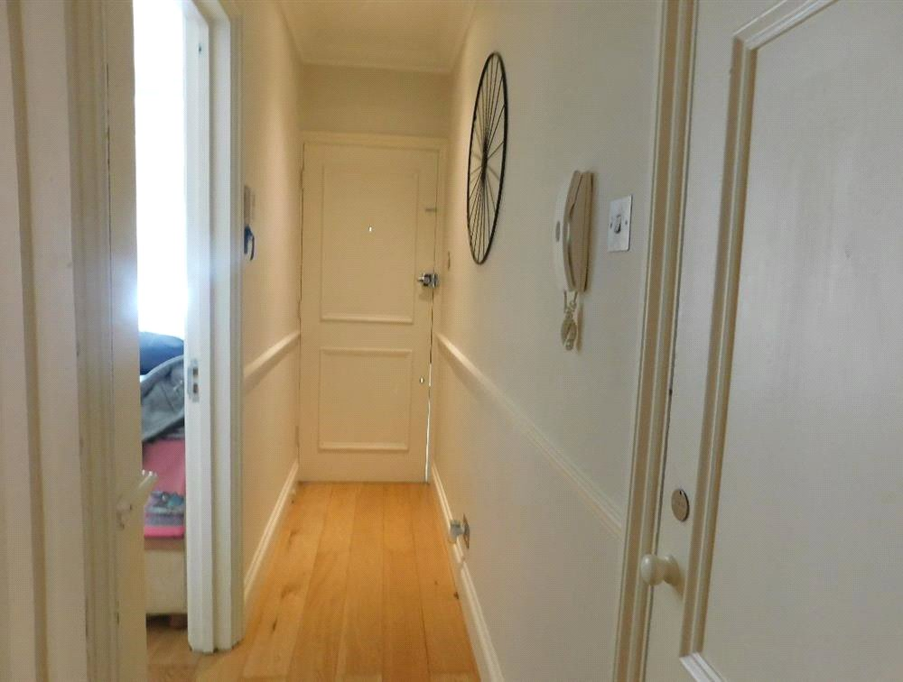 1 bed flat for sale in Streatham 4