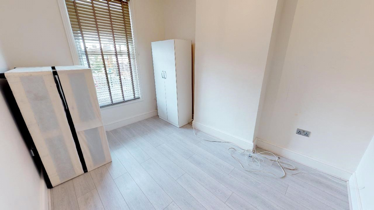 3 bed flat for sale in South Norwood 0
