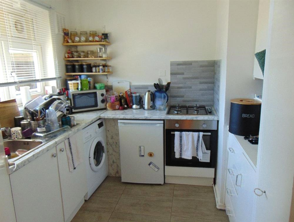1 bed flat for sale in Endymion Road 2
