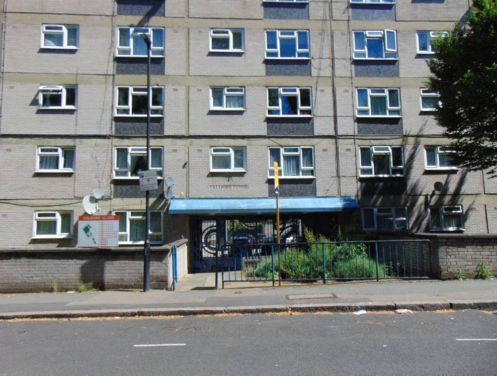 1 bed flat for sale in Endymion Road 4