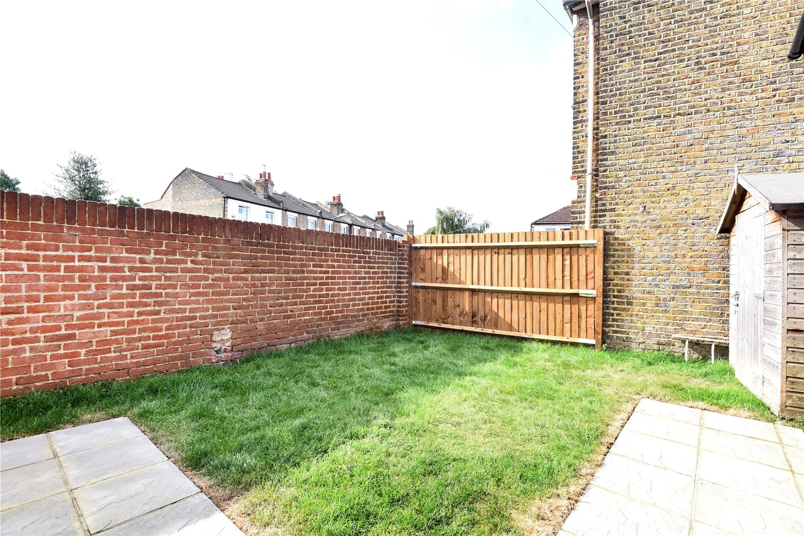 3 bed house for sale in Streatham 6