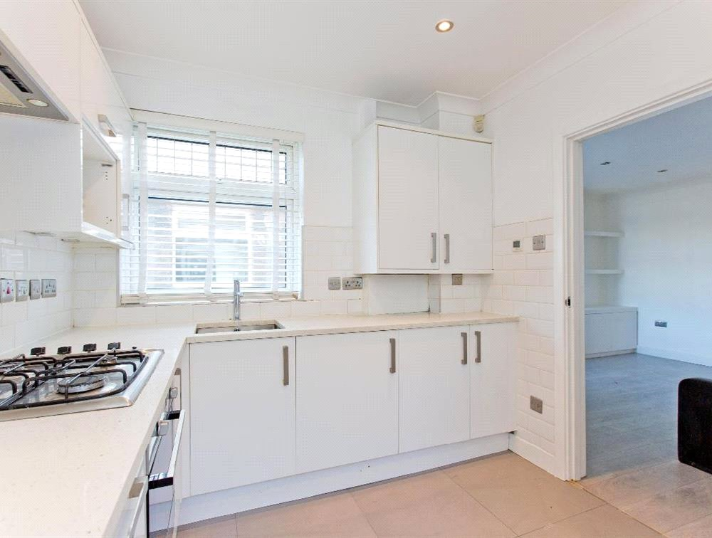3 bed maisonette for sale in South Norwood 1