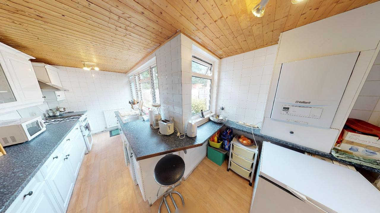 3 bed house for sale in Mitcham 4