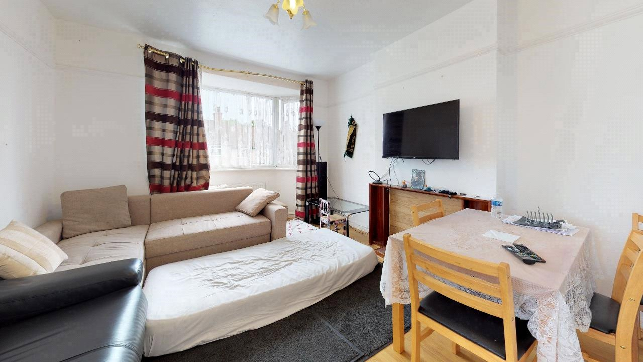 2 bed maisonette for sale in Pollards Hill 6