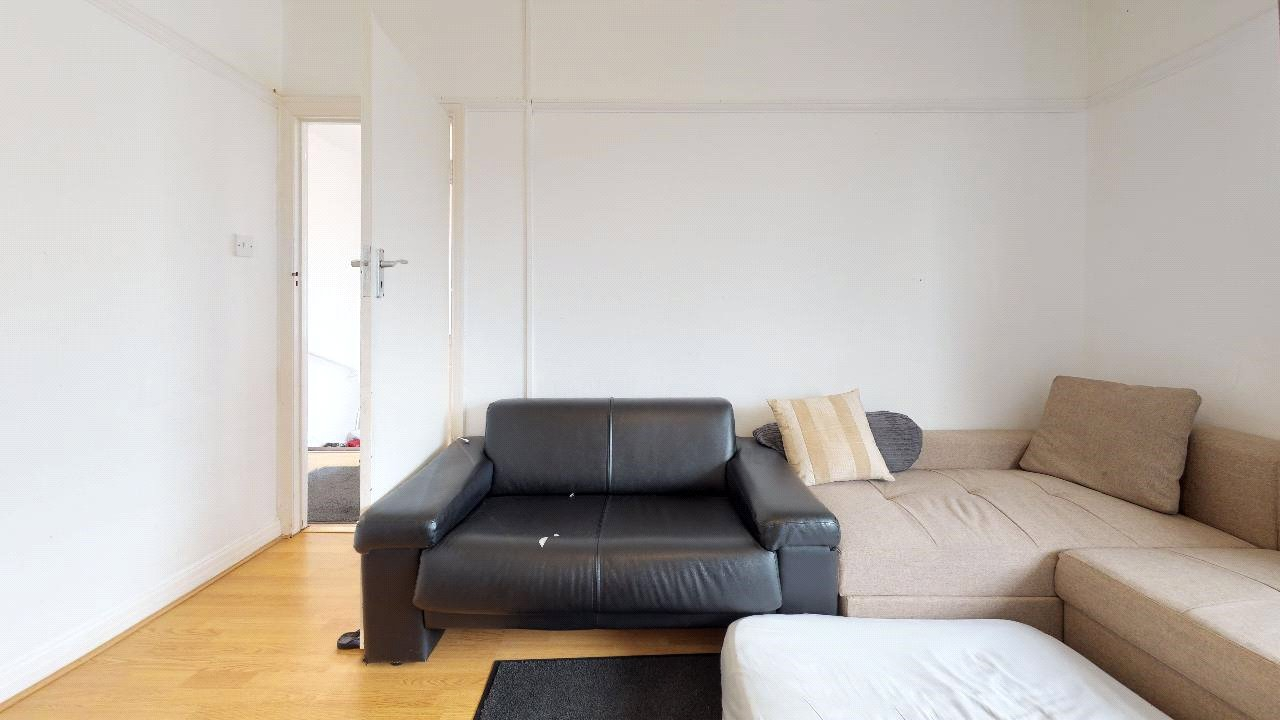 2 bed maisonette for sale in Pollards Hill 2