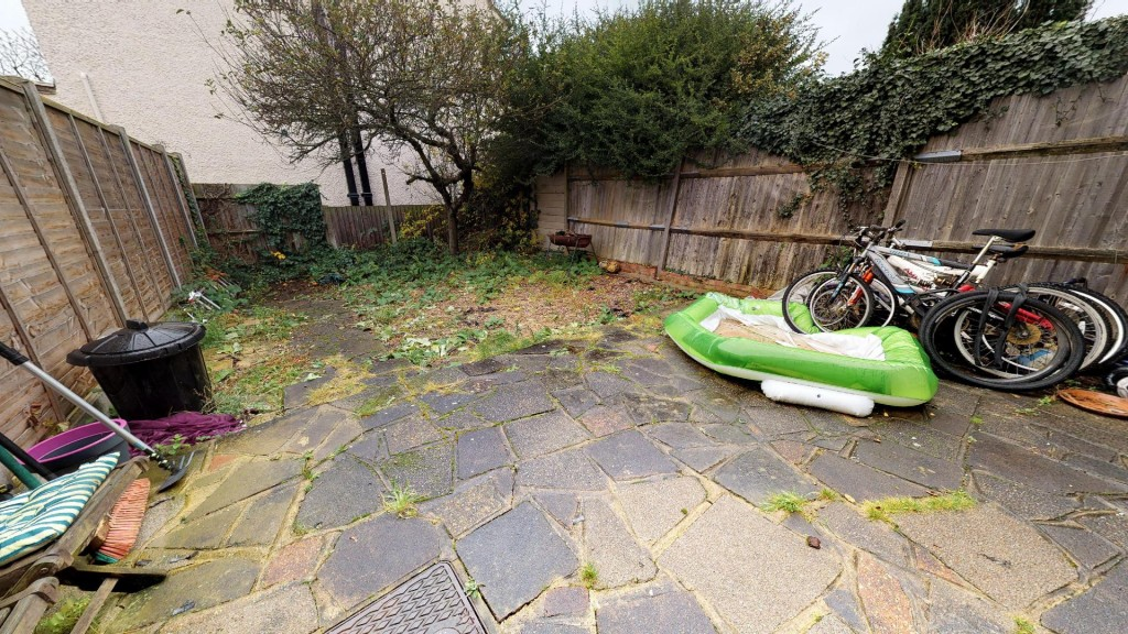3 bed for sale in London 10