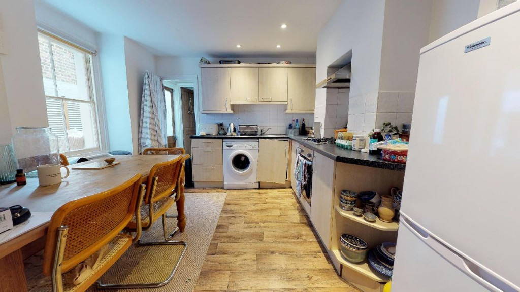 1 bed apartment for sale in Brixton Hill 0