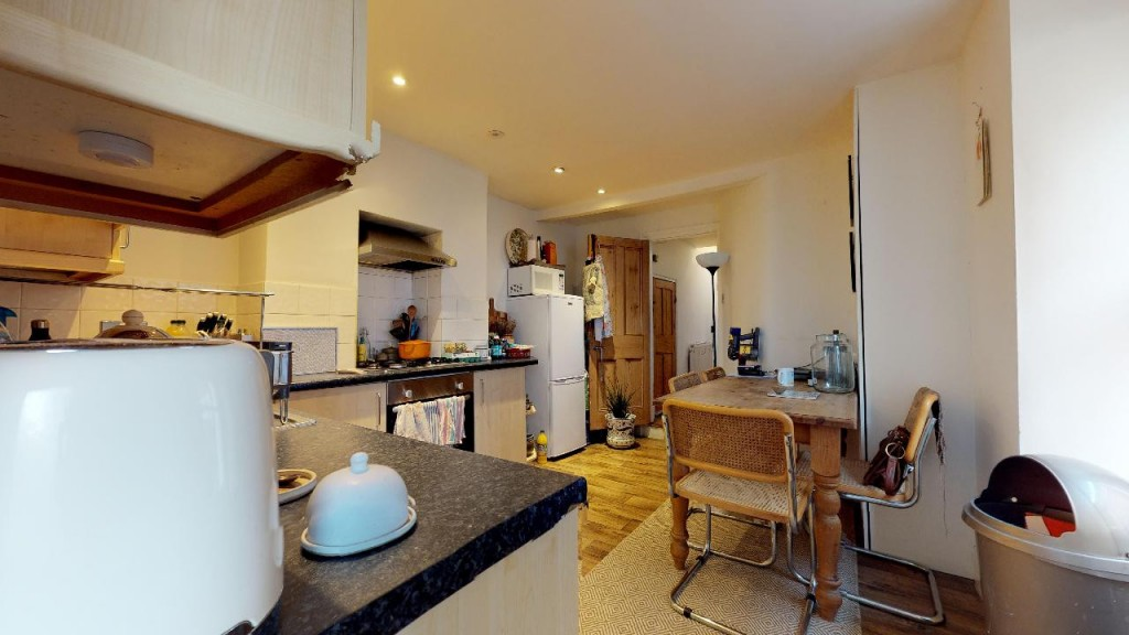 1 bed apartment for sale in Brixton Hill 6
