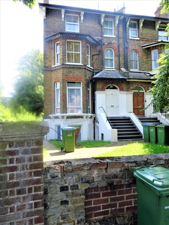 4 bed for sale in London 0