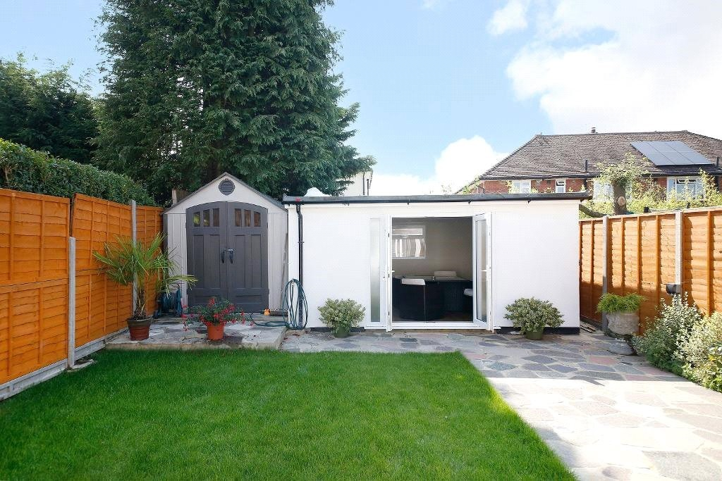 3 bed for sale in Croydon  - Property Image 3