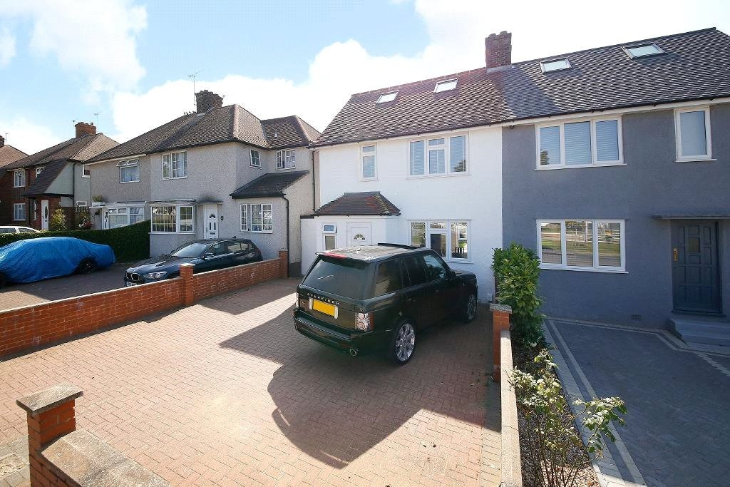 3 bed for sale in Croydon 2