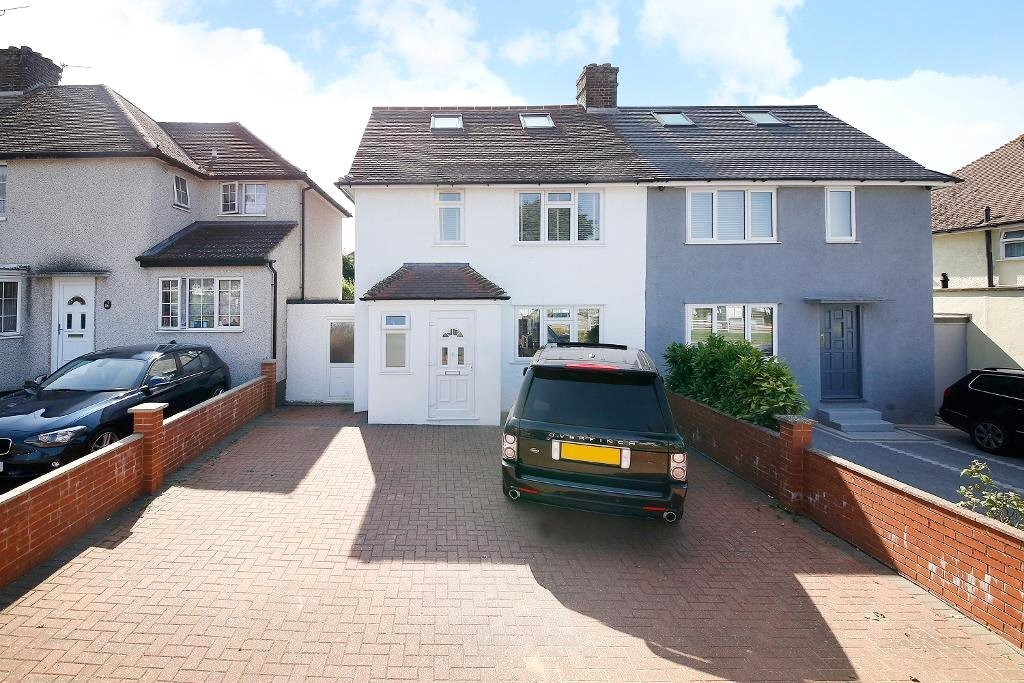 3 bed for sale in Croydon 3