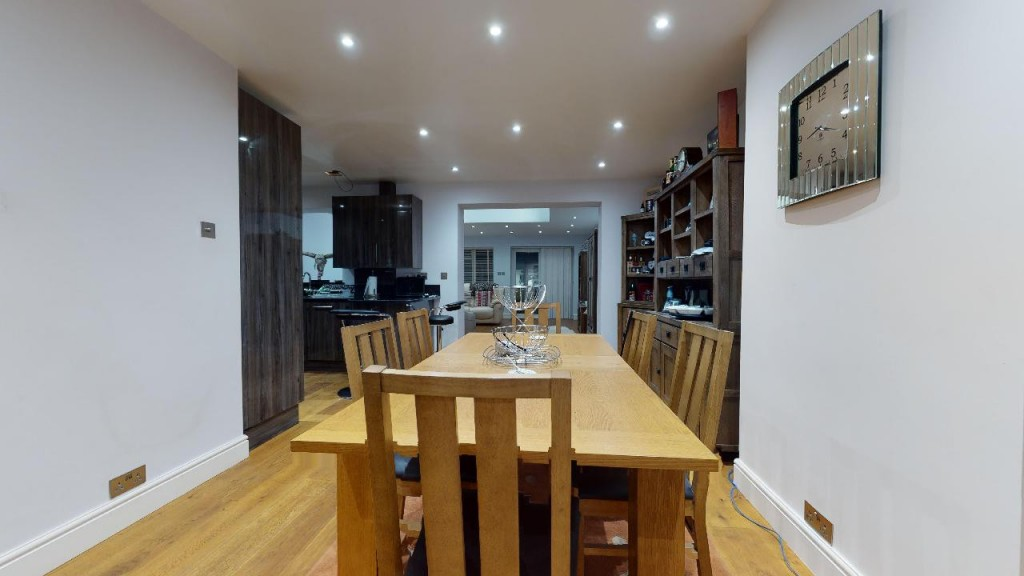 3 bed for sale in Croydon 7