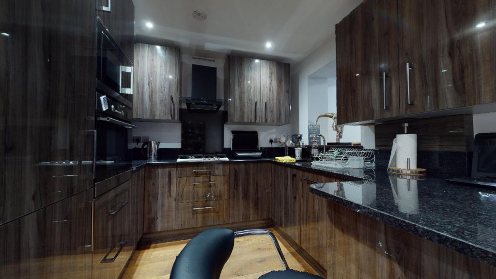 3 bed for sale in Croydon 8