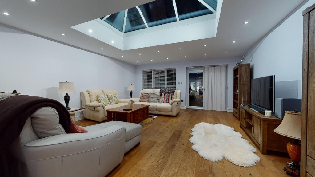 3 bed for sale in Croydon 9