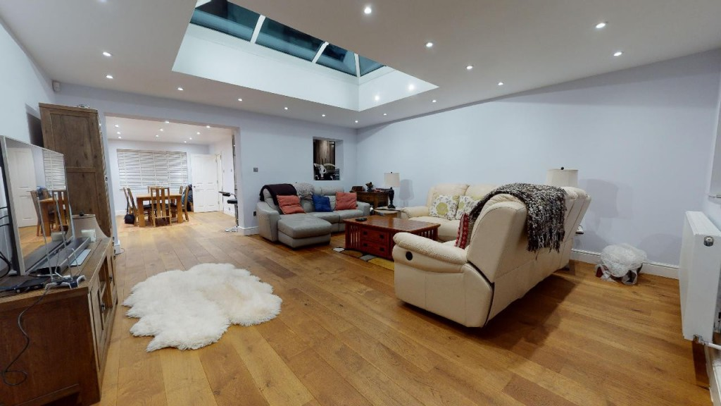 3 bed for sale in Croydon 10